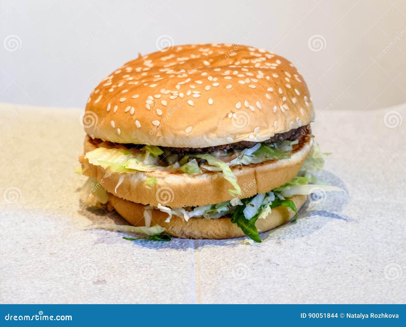 Διπλό Burger με τα juicy κεφτή