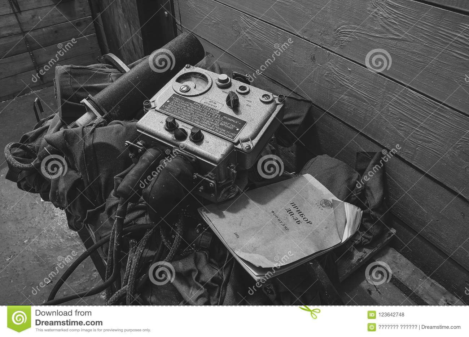 Δοσίμετρο σε ένα εγκαταλειμμένο καταφύγιο βομβών