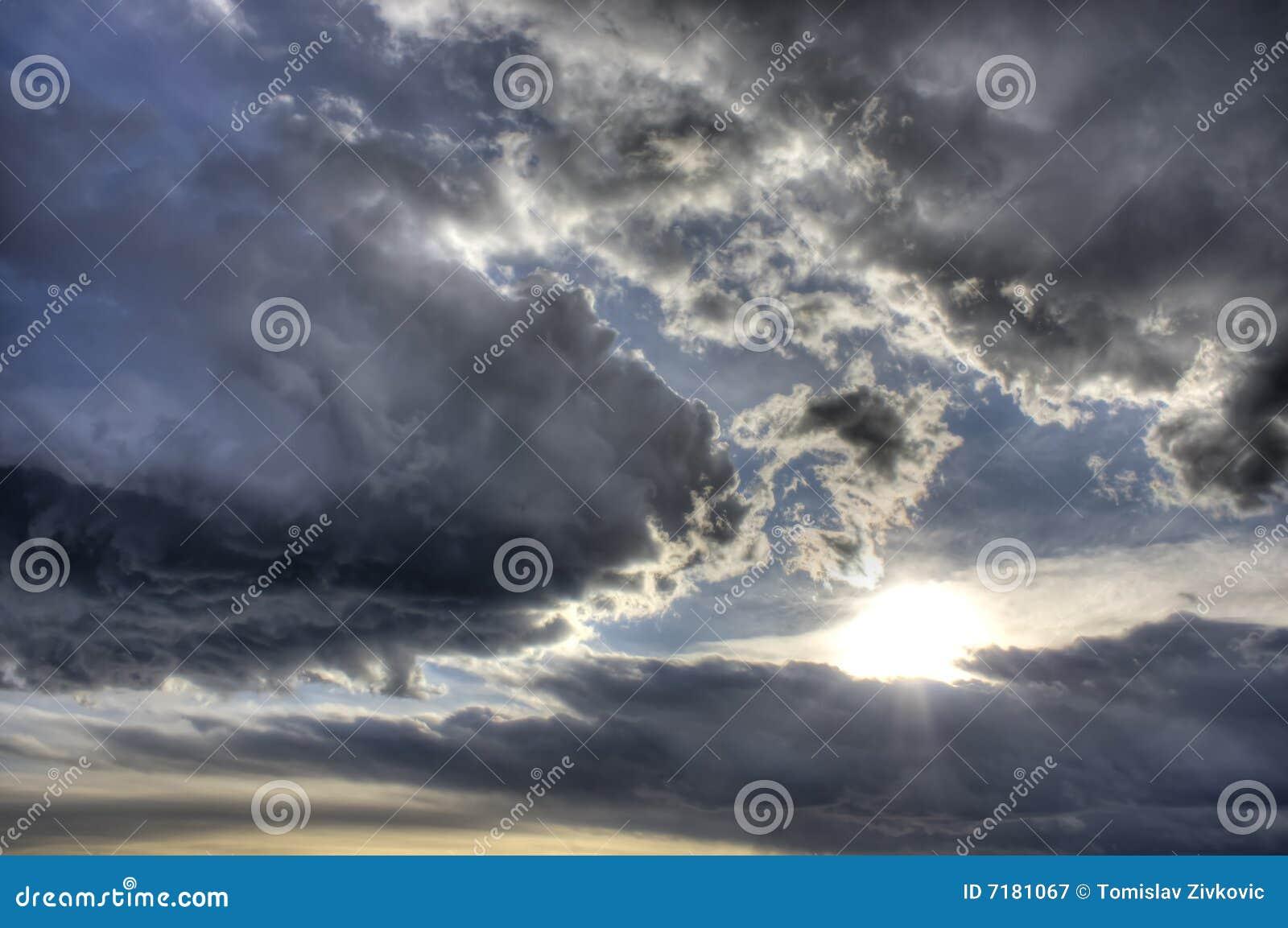 δραματική εικόνα hdr σύννεφων