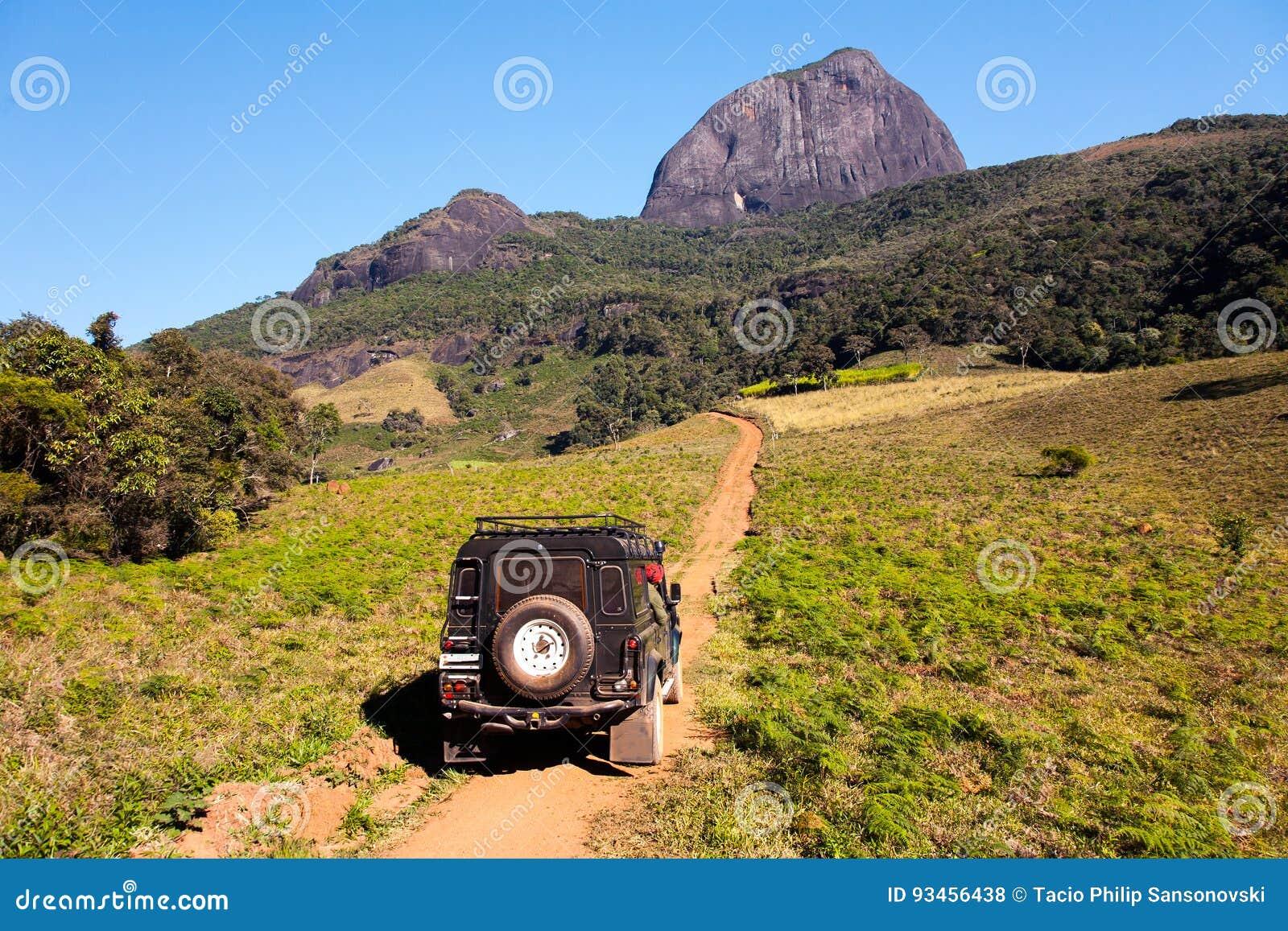 Δρόμος εδάφους στο βουνό basecamp