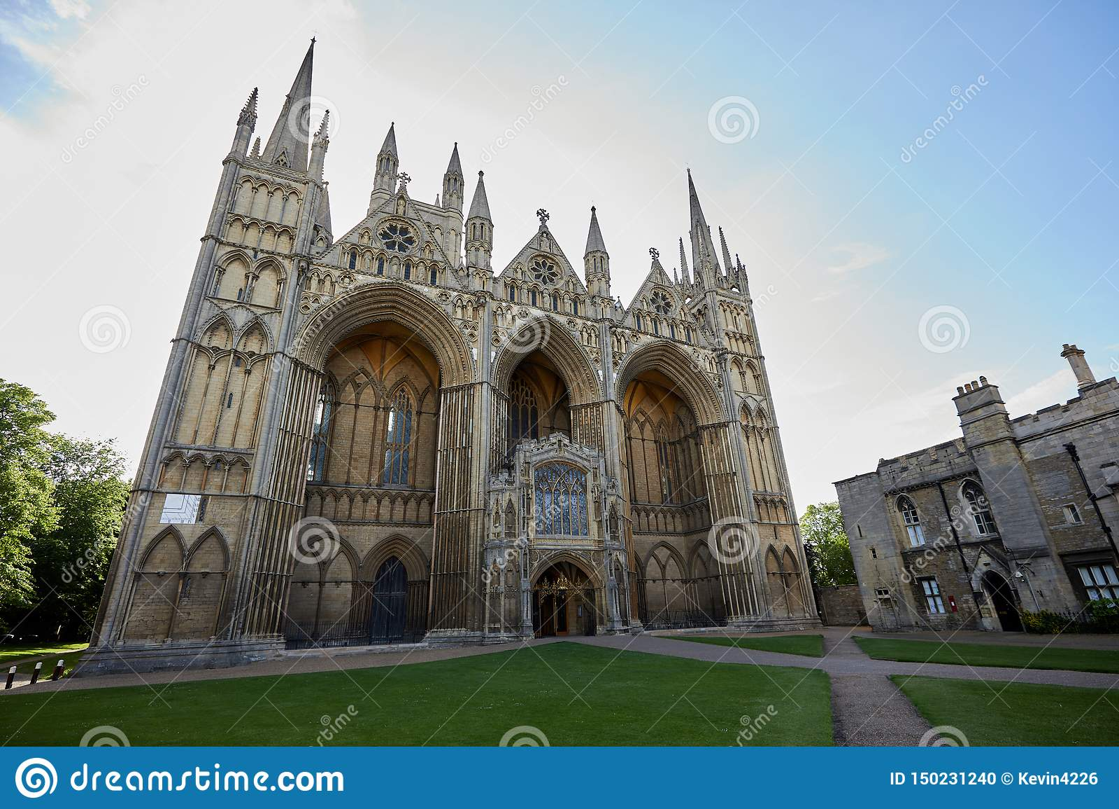 Δυτική μπροστινή πρόσοψη καθεδρικών ναών Peterborough