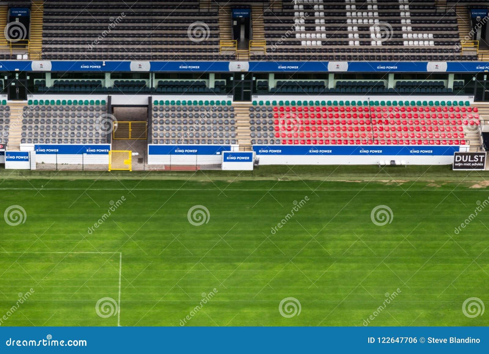 Δύναμη βασιλιάδων στο stadion κρησφύγετων dreef