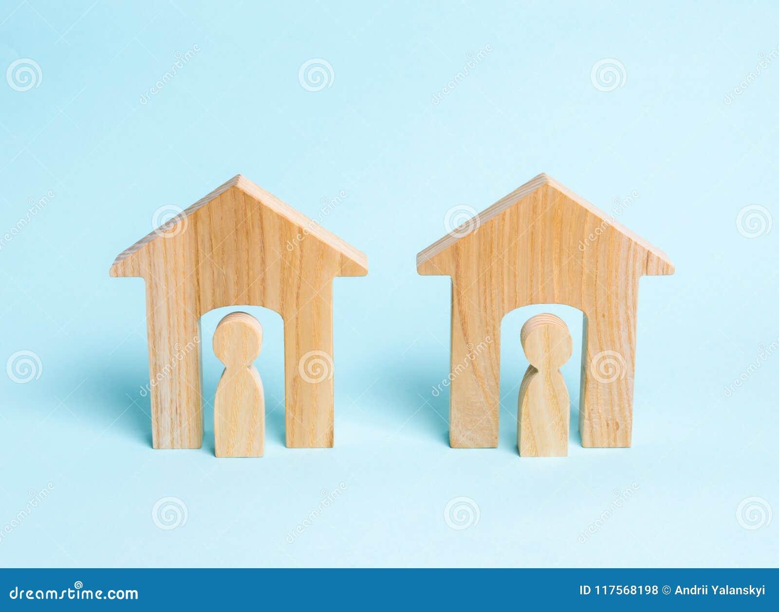Δύο ξύλινα σπίτια με τους γείτονες Δύο γείτονες Καλή γειτονιά, περιοχή Επικοινωνία, επικοινωνία μεταξύ δύο ανθρώπων