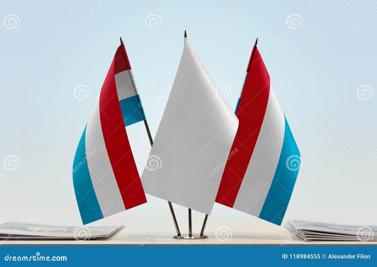 Δύο σημαίες του Λουξεμβούργου