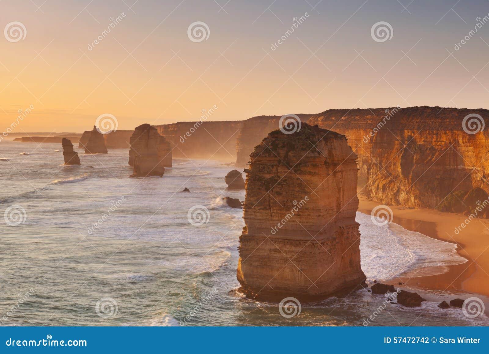 Δώδεκα απόστολοι στο μεγάλο ωκεάνιο δρόμο, Αυστραλία στο ηλιοβασίλεμα