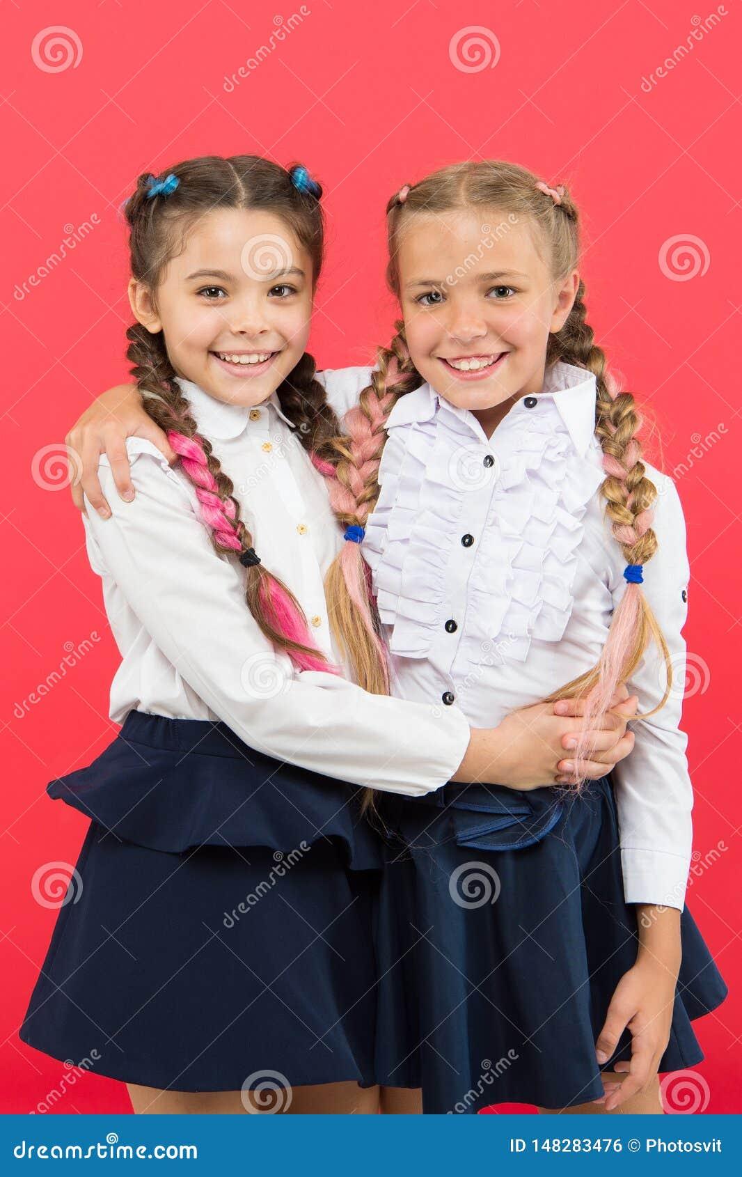 Εάν ήταν το σχολείο περισσότερη διασκέδαση Μαθήτριες με το χαριτωμένο hairstyle και τα ευτυχή χαμόγελα Άριστοι μαθητές καλύτερων