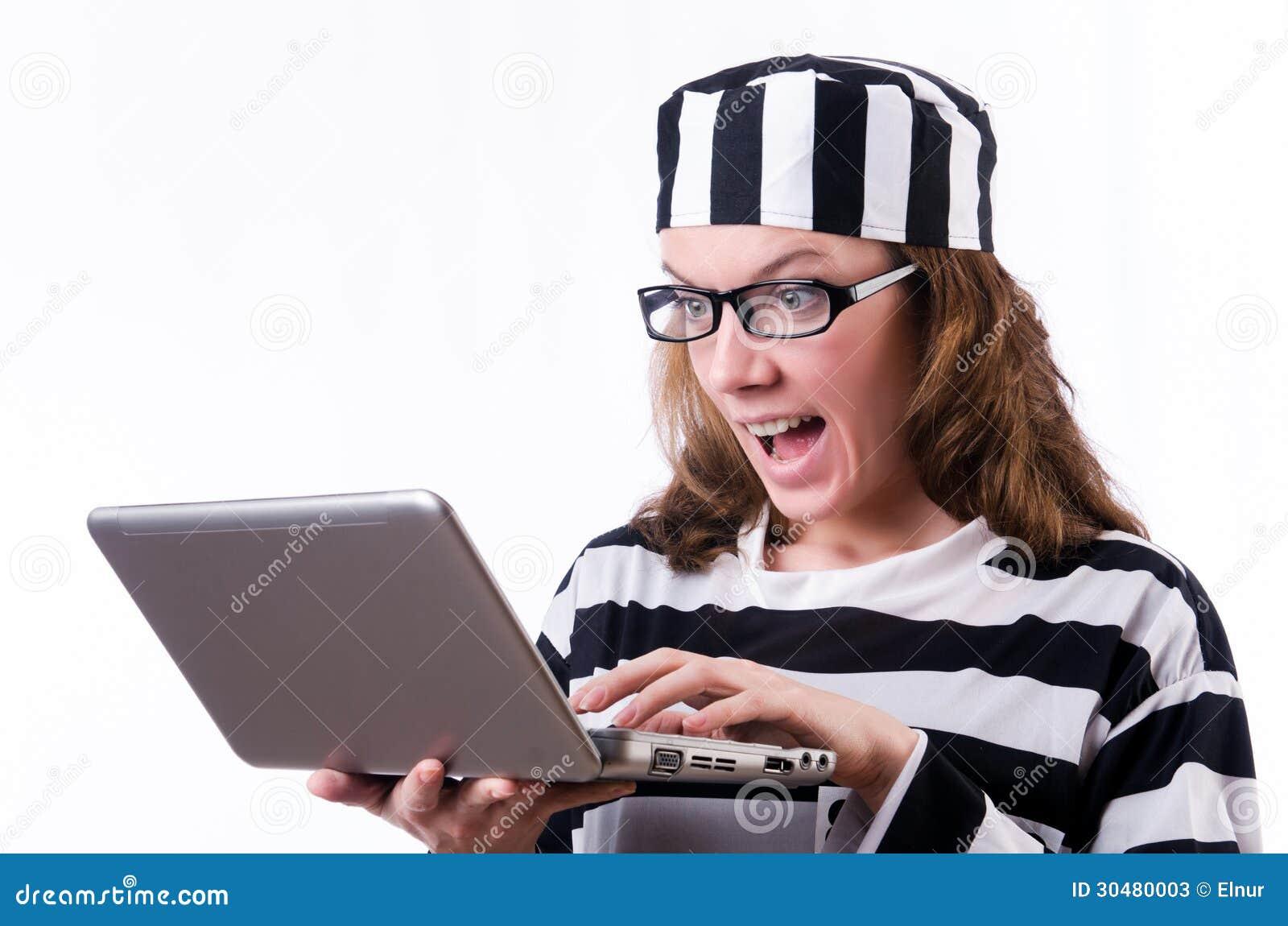 Εγκληματικός χάκερ με το lap-top