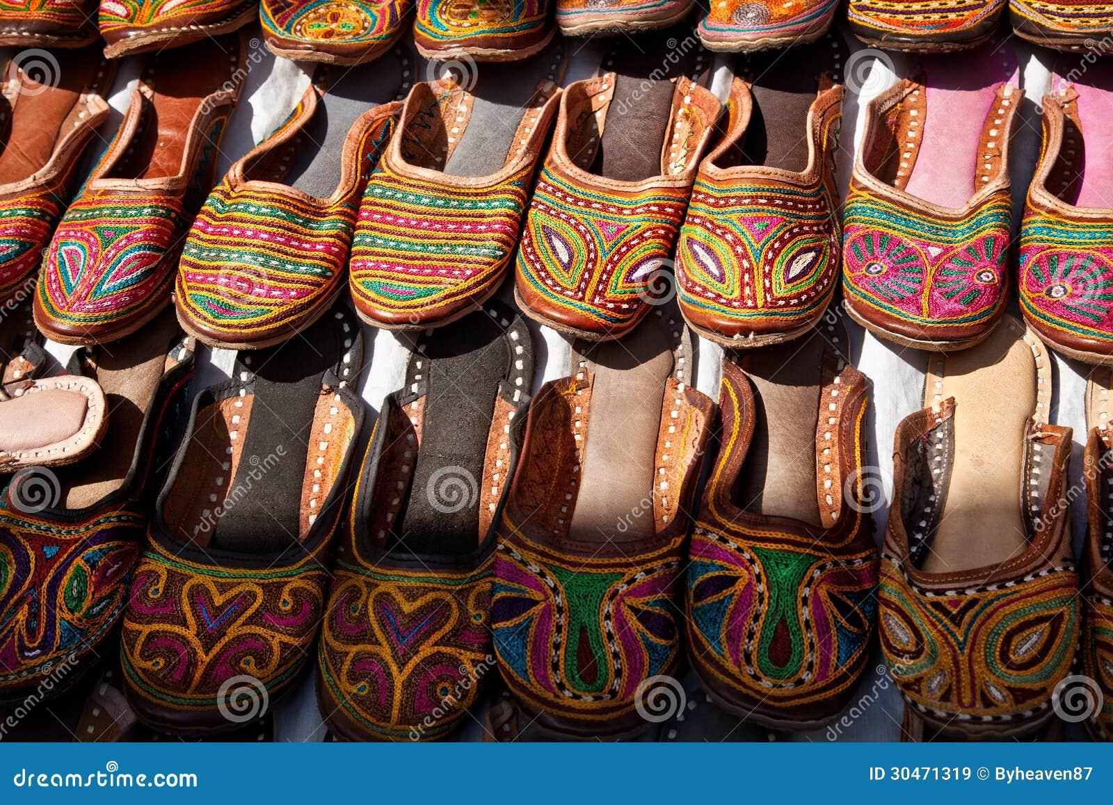 aa059a313af7 Εθνικά παπούτσια στοκ εικόνα. εικόνα από δώρο, ινδία - 30471319
