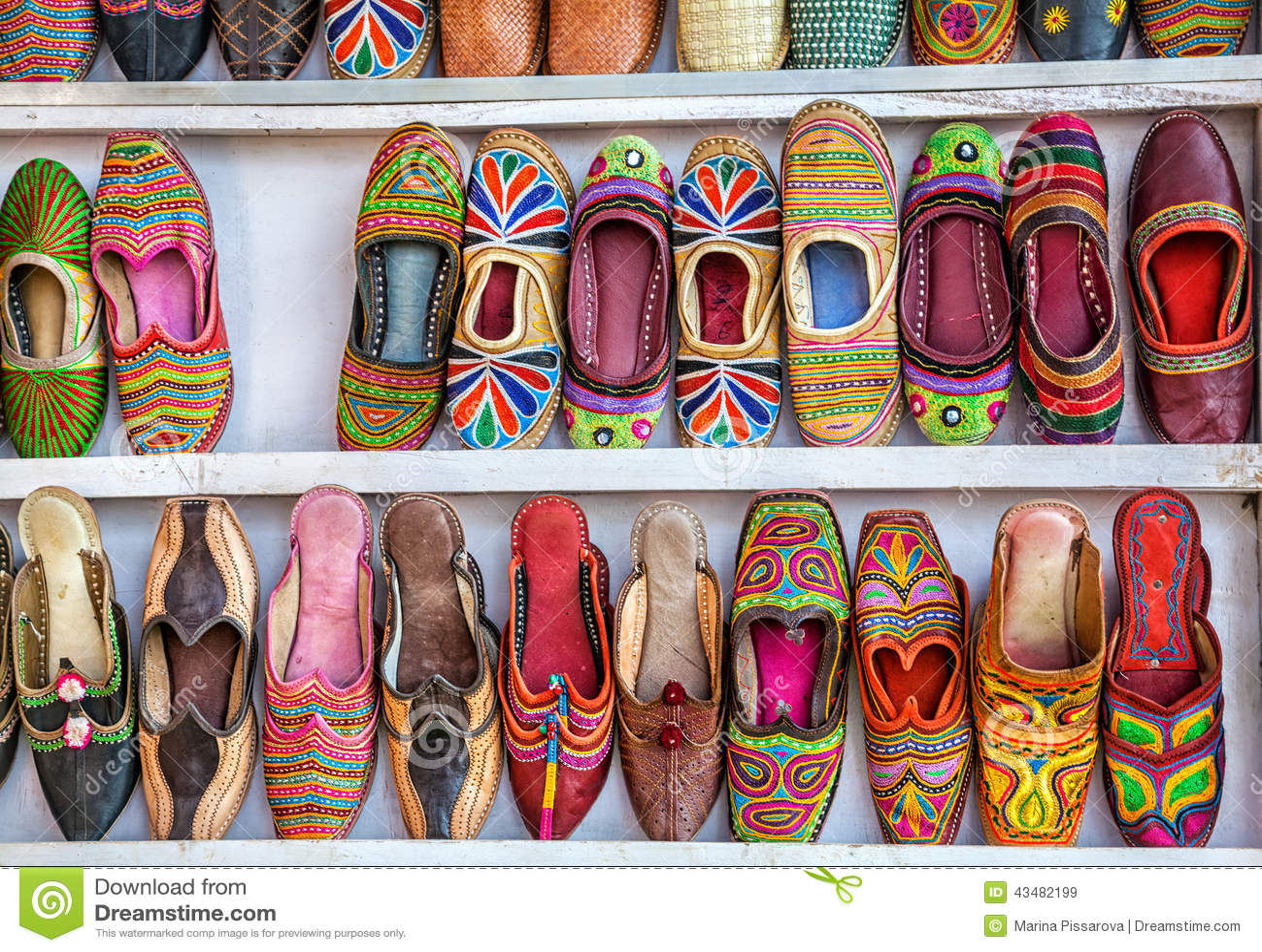 a0eb4416a2b0 εθνικά παπούτσια στοκ εικόνα. εικόνα από τέχνη, πώληση - 43482199