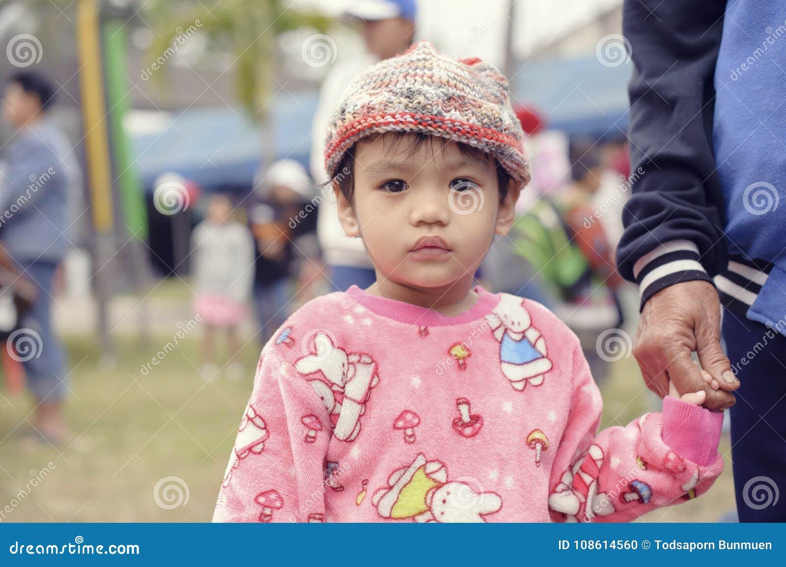 Εθνική ημέρα παιδιών ` s της Ταϊλάνδης ` s - η φωτογραφία ενός παιδιού σε ημερησίως παιδιών ` s σε Saraphi - Chiangmai Τον Ιανουά