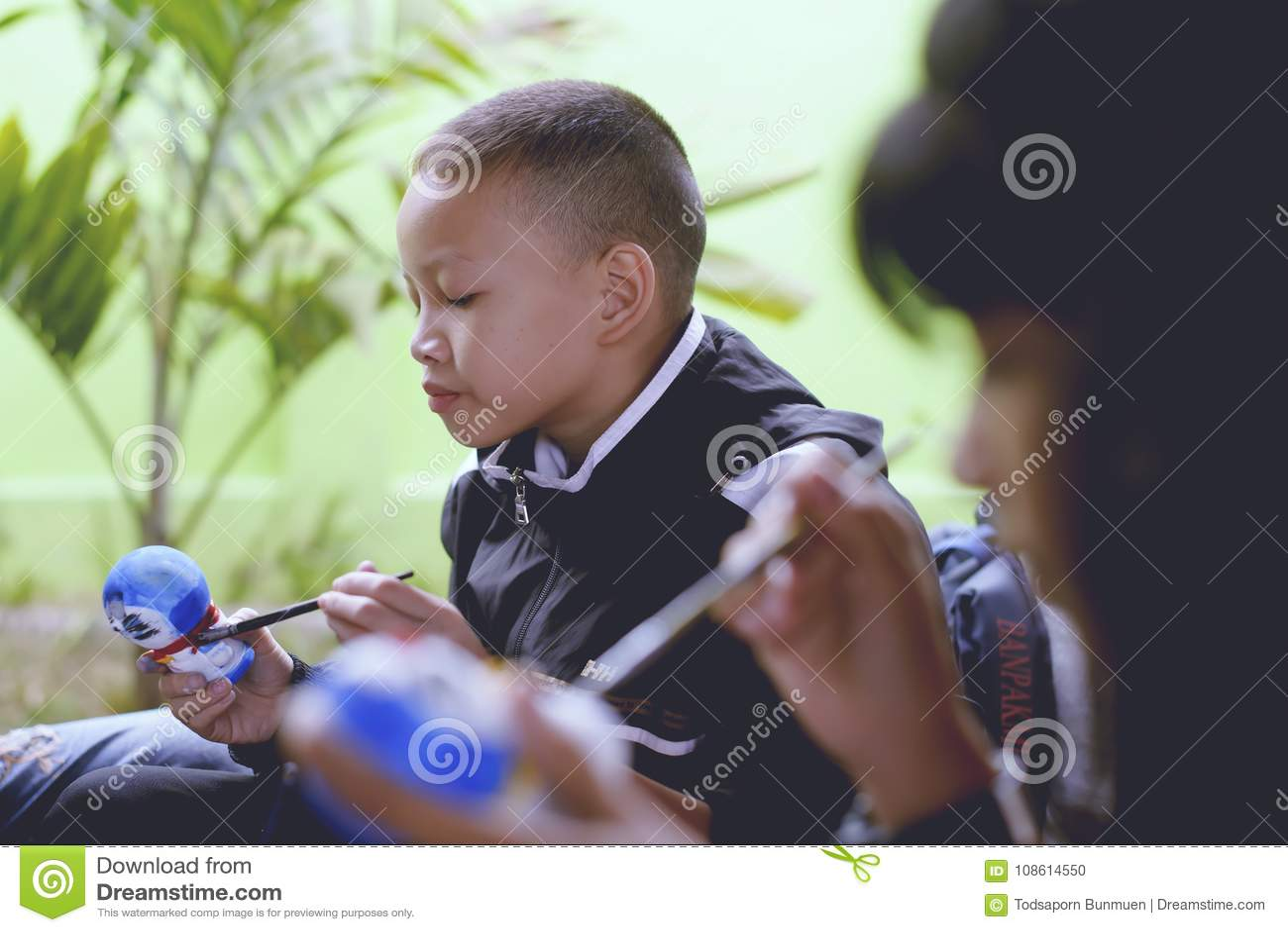 Εθνική ημέρα παιδιών ` s της Ταϊλάνδης ` s - ημέρα παιδιών ` s Οι δημοφιλείς δραστηριότητες είναι στο χρωματισμό για το πρότυπο -