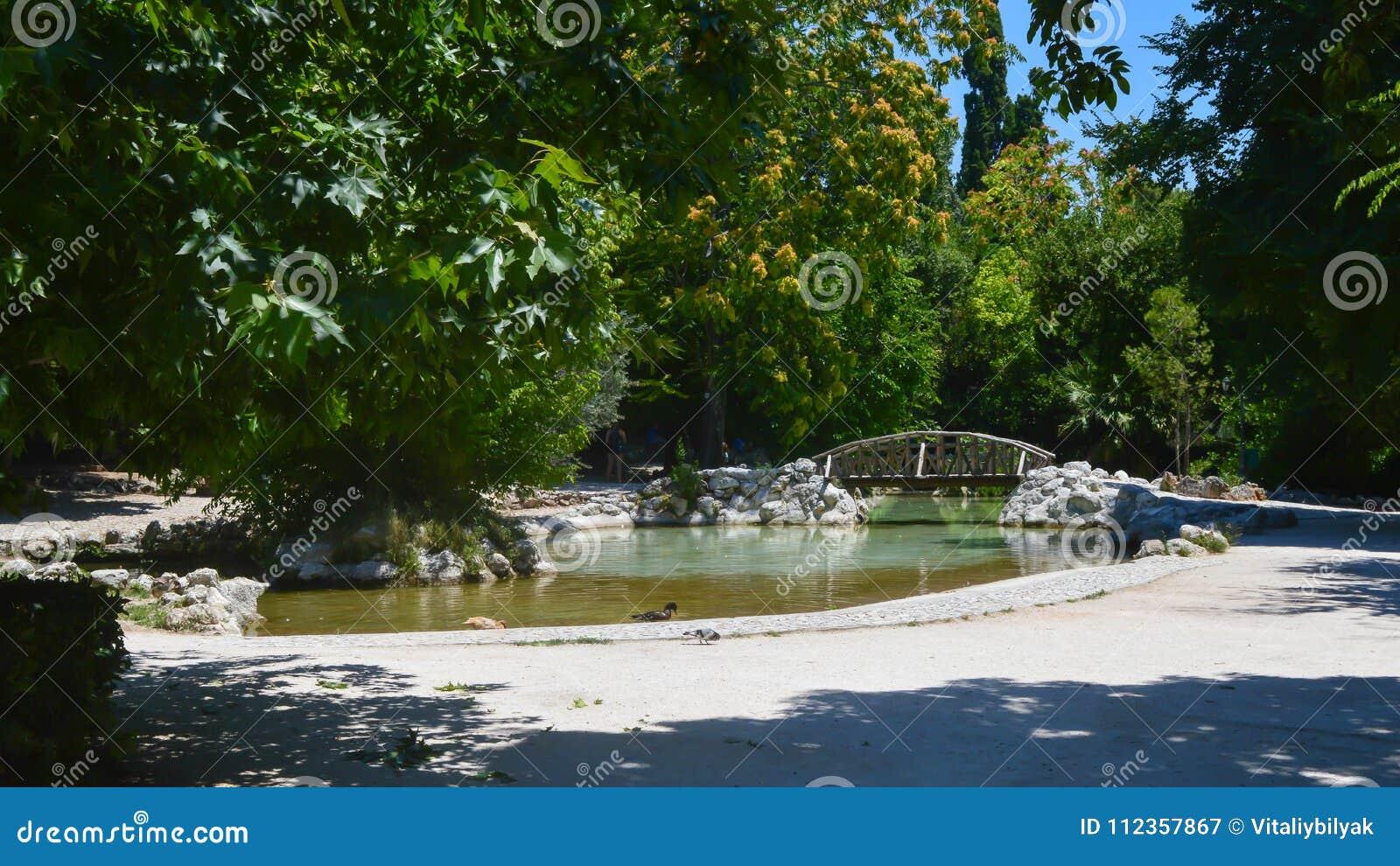 Εθνικός κήπος στην Αθήνα, Ελλάδα στις 23 Ιουνίου 2017