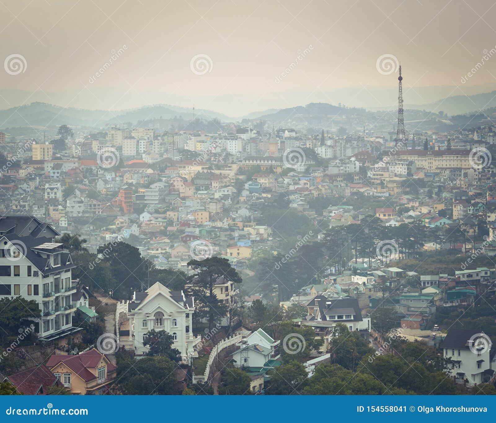 Εικονική παράσταση πόλης του Παρισιού DA Lat του Βιετνάμ λίγη Όμορφη άποψη Dalat, Βιετνάμ