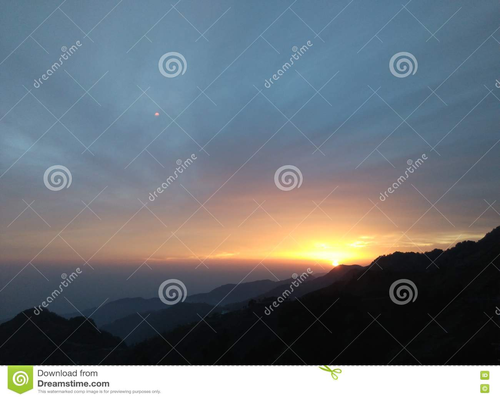 Εικόνα ηλιοβασιλέματος ή ανατολής
