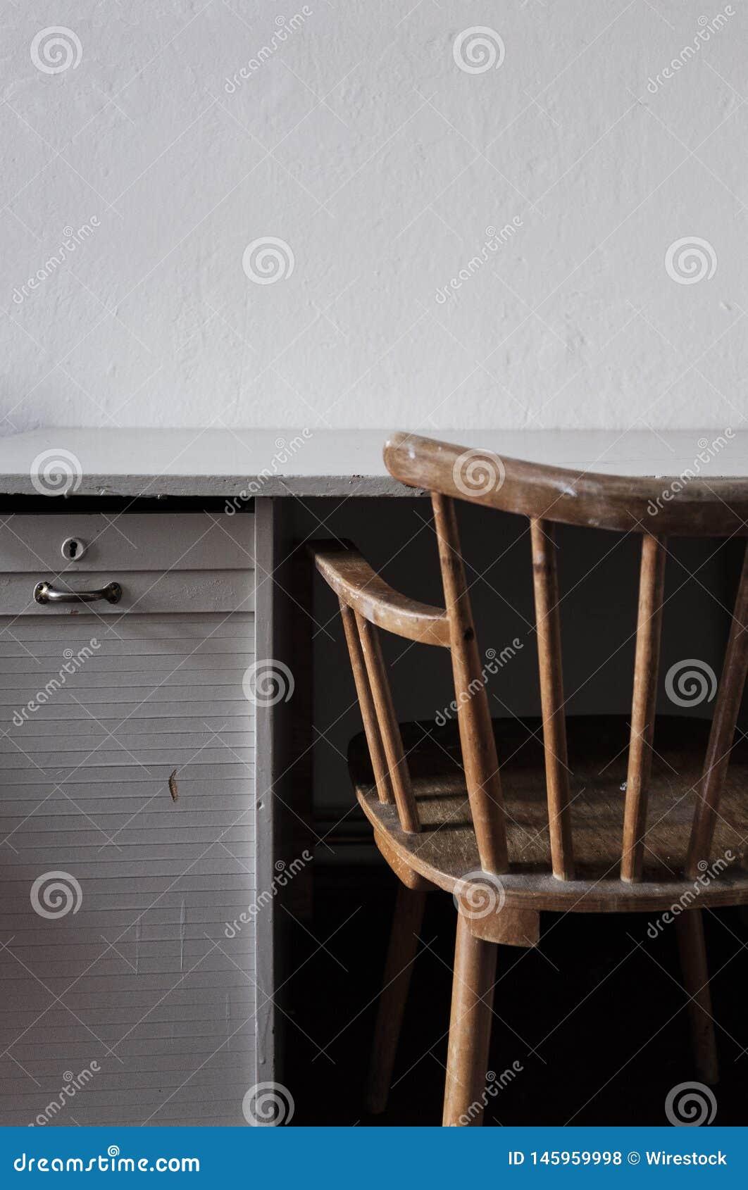Εκλεκτής ποιότητας καρέκλα με το γραφείο