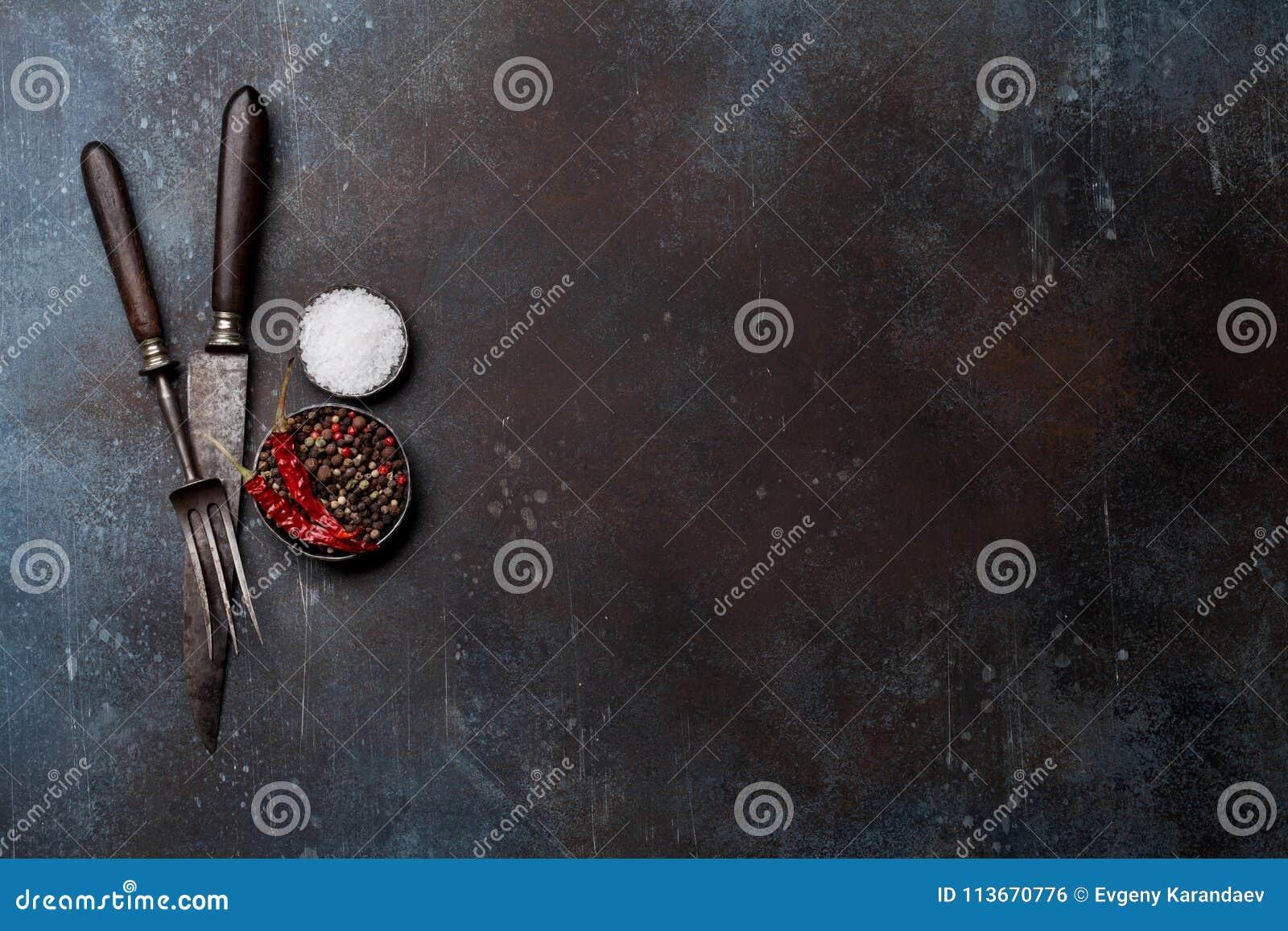 Εκλεκτής ποιότητας μαχαίρι, δίκρανο και καρυκεύματα κρέατος