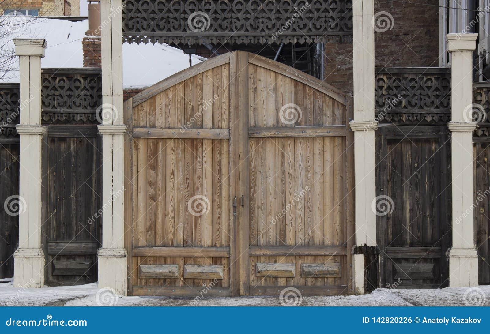 Εκλεκτής ποιότητας ξύλινη γλυπτική