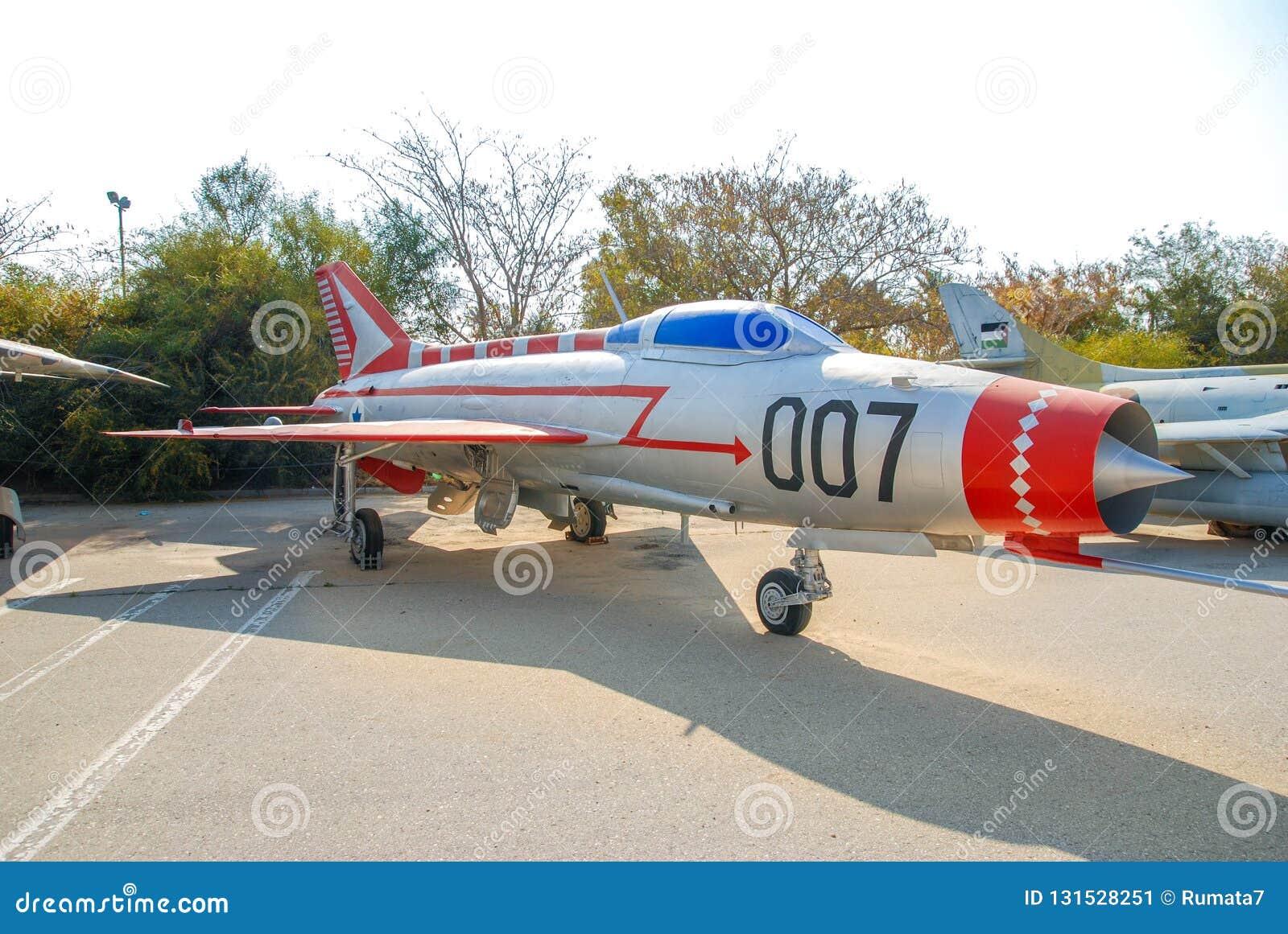 Εκλεκτής ποιότητας mikoyan-Gurevich miG-21 αεροσκάφη που επιδεικνύονται στο ισραηλινό μουσείο Πολεμικής Αεροπορίας