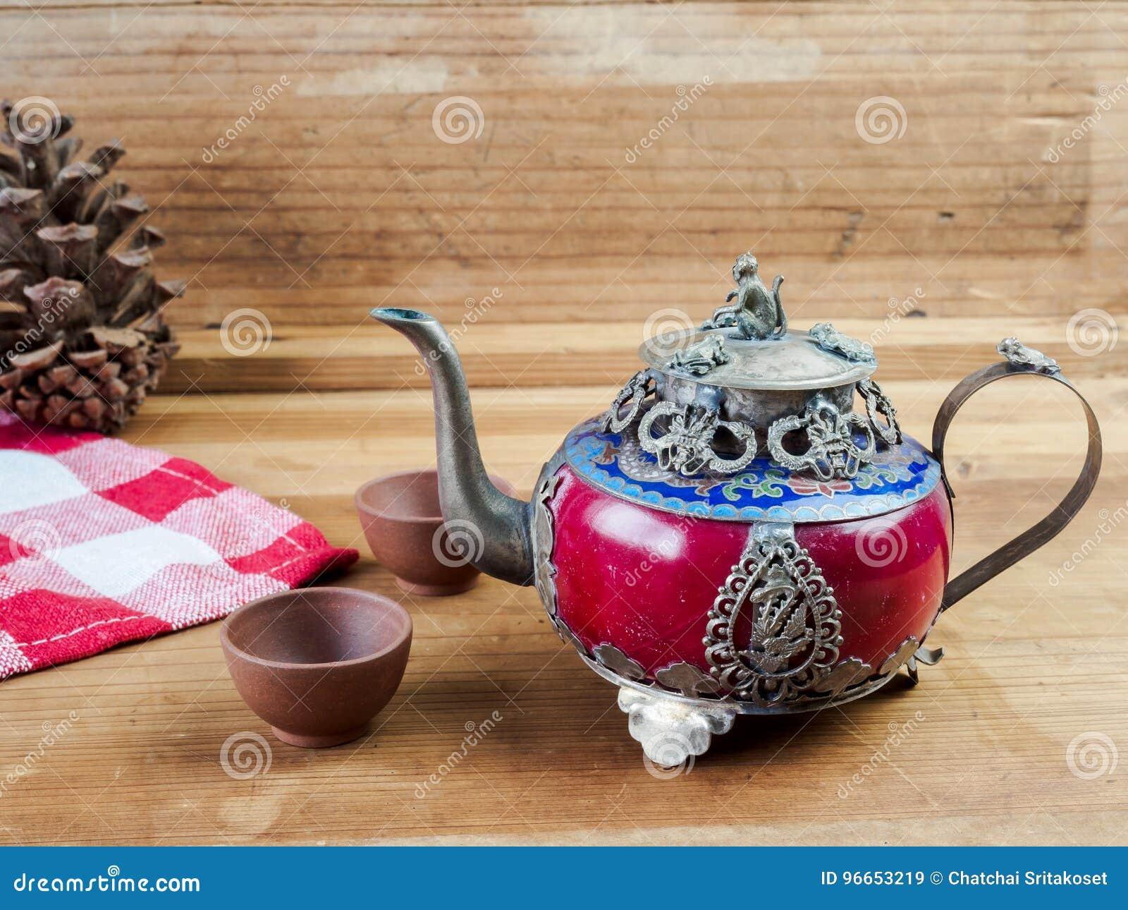 Εκλεκτής ποιότητας κινεζικό teapot φιαγμένο από παλαιούς νεφρίτη και ασήμι του Θιβέτ με το MO