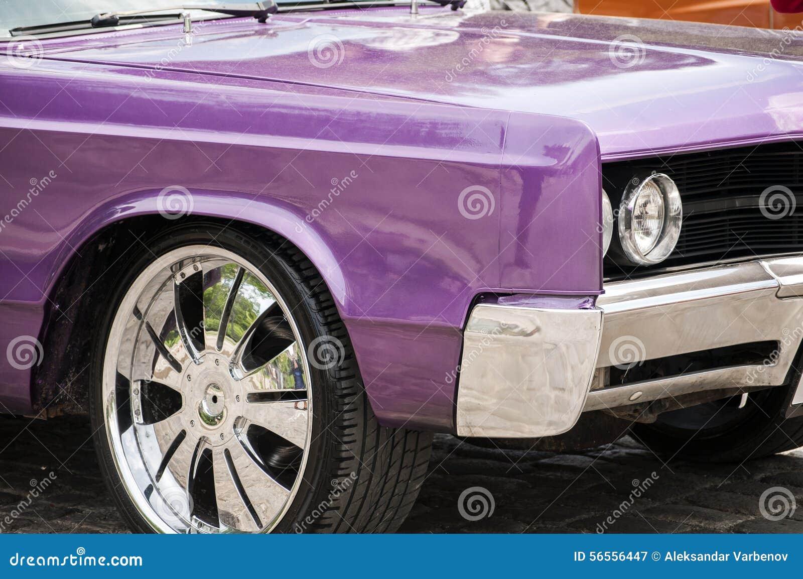Download Εκλεκτής ποιότητας κινηματογράφηση σε πρώτο πλάνο αυτοκινήτων Στοκ Εικόνα - εικόνα από νοσταλγία, ύφος: 56556447