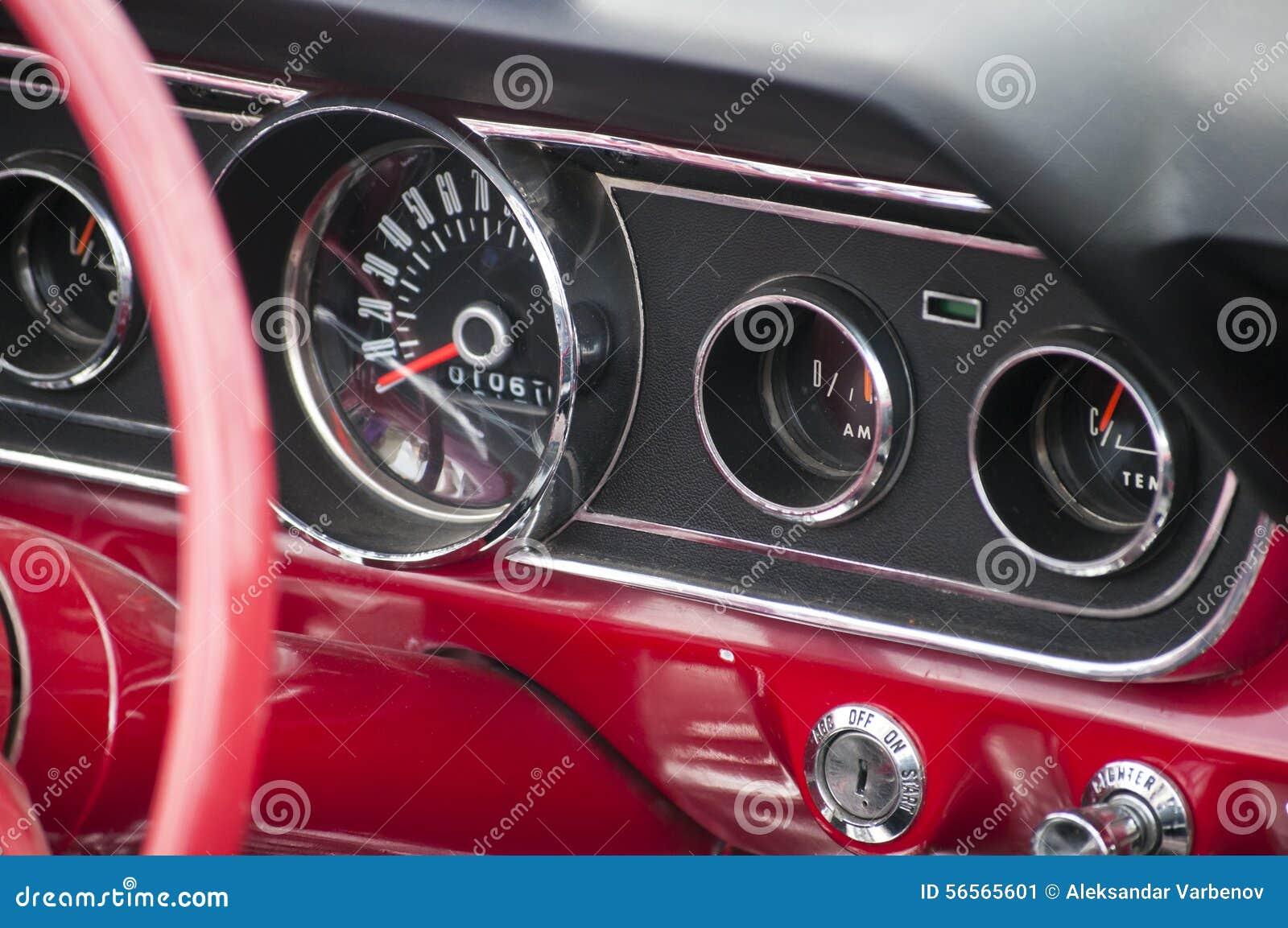 Download Εκλεκτής ποιότητας ταμπλό αυτοκινήτων Στοκ Εικόνα - εικόνα από ρόδα, closeup: 56565601
