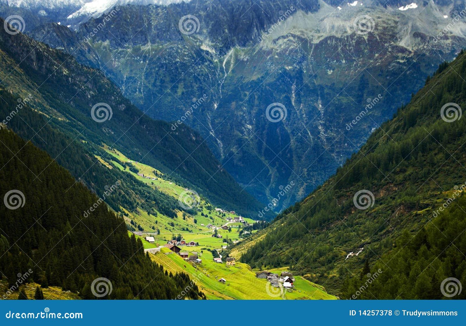 ελβετικό χωριό κοιλάδων &om