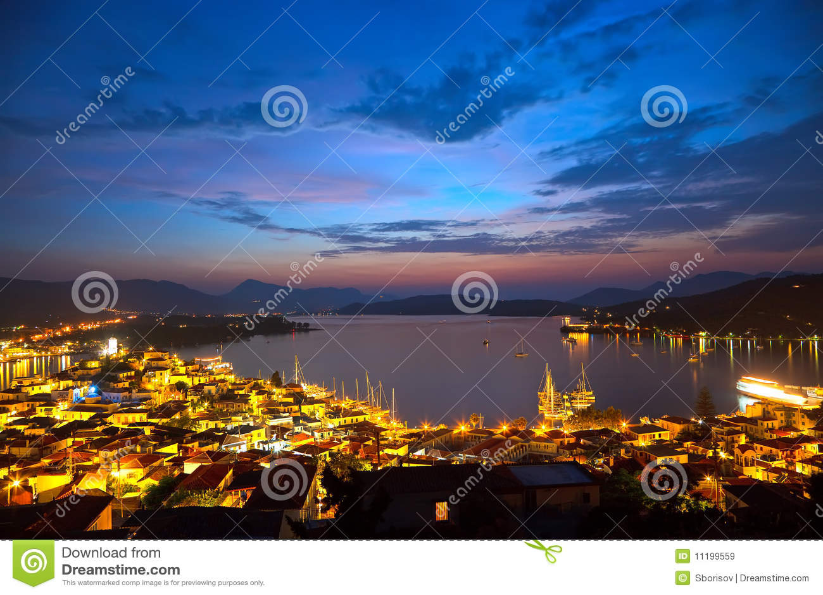 Ελληνικά νησιά τη νύχτα