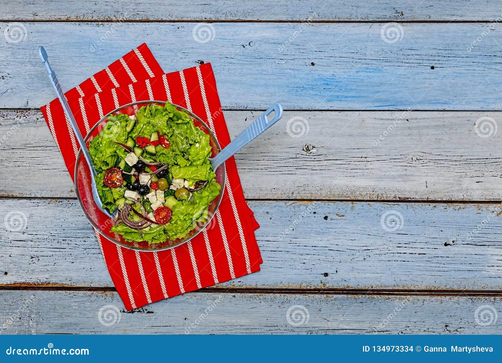 Ελληνική σαλάτα, μαρούλι, φέτα, χορτοφάγος, επιλογές, τοπ άποψη, διάστημα αντιγράφων