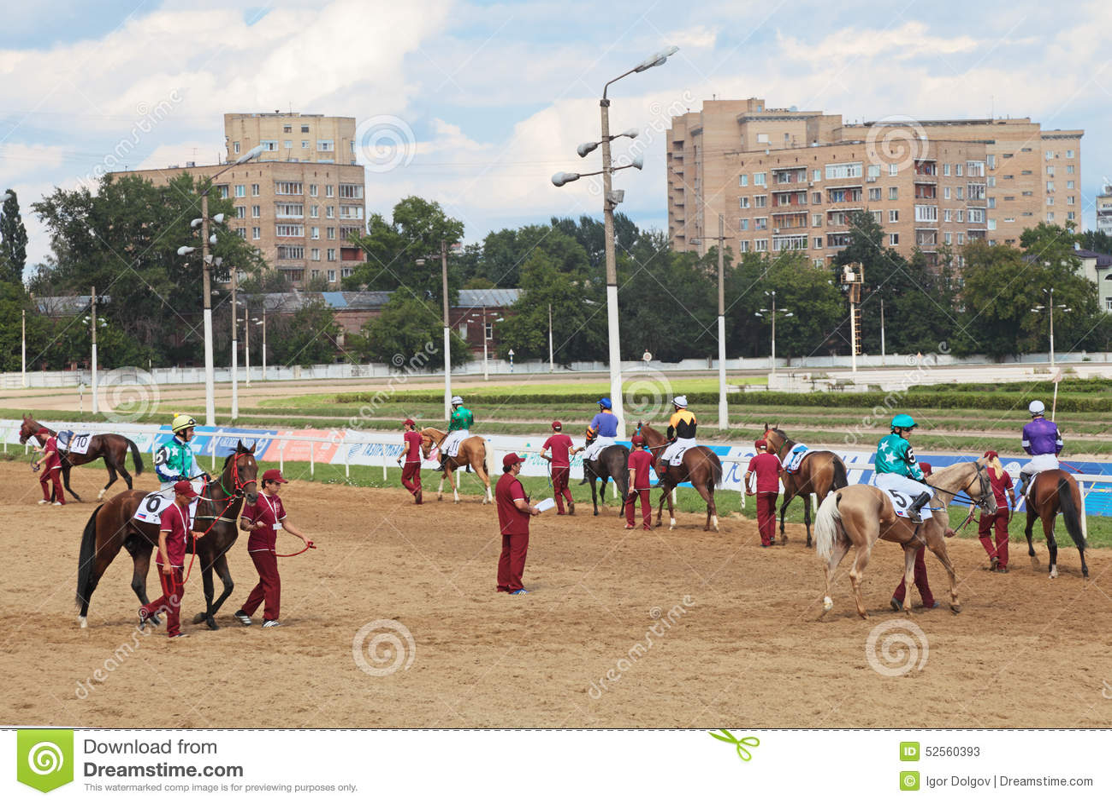 Εμφανίστε jockeys και άλογα