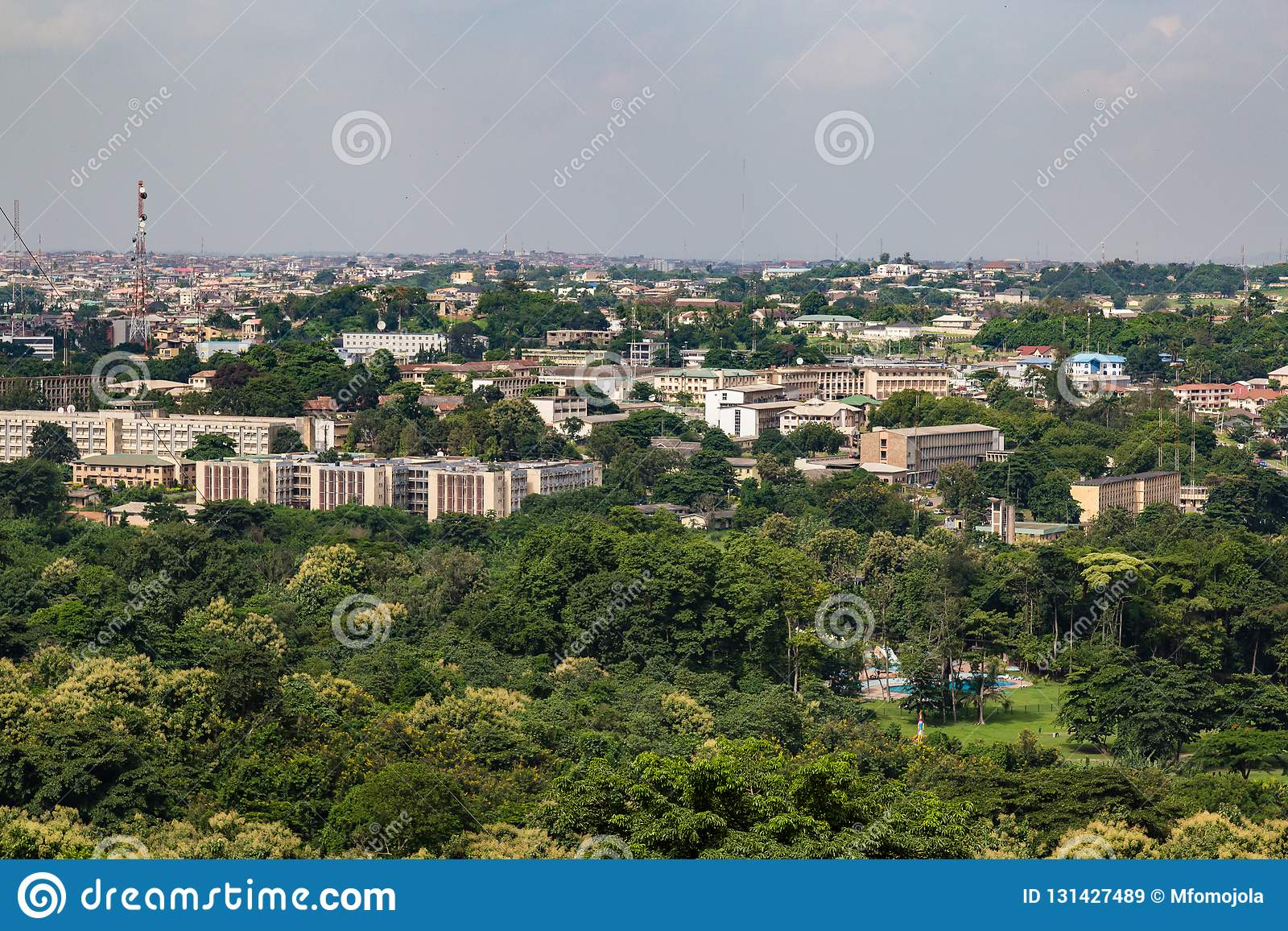 Εναέρια άποψη της γραμματείας Ιμπαντάν Νιγηρία κυβερνήσεων Oyo