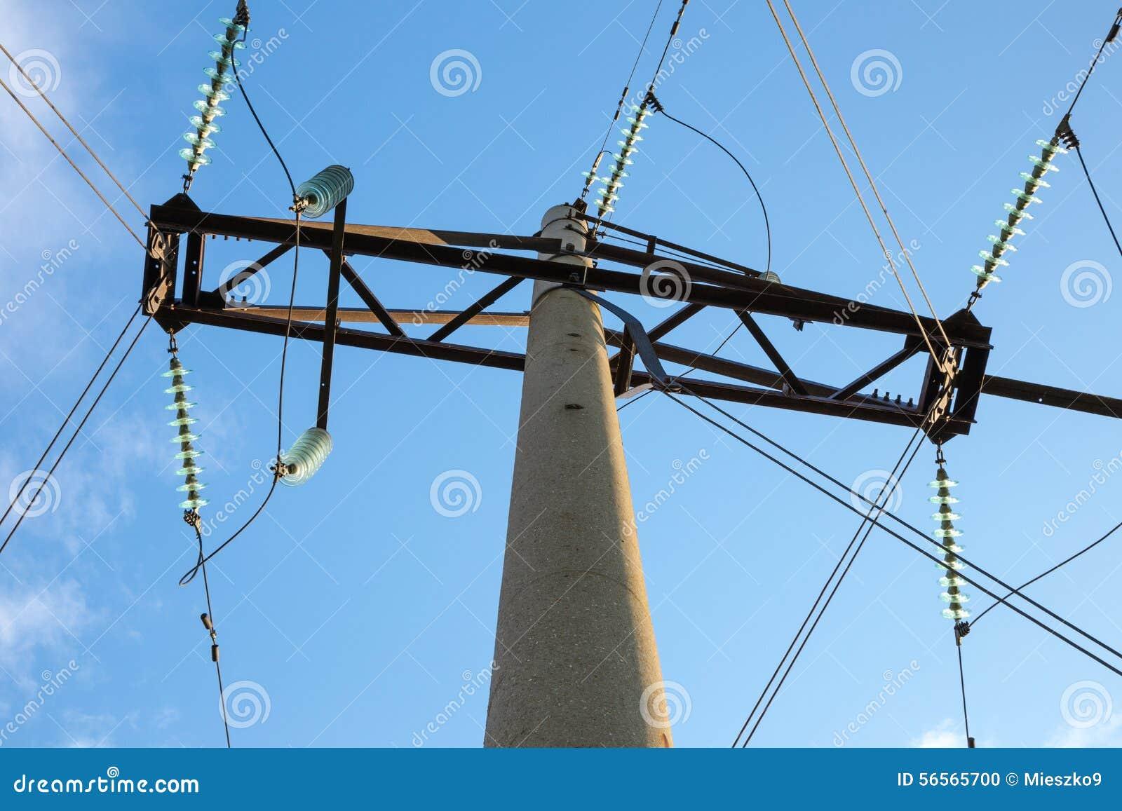 Download Ενισχυμένος συγκεκριμένος πύργος μετάδοσης δύναμης Στοκ Εικόνες - εικόνα από τάση, ψηλός: 56565700