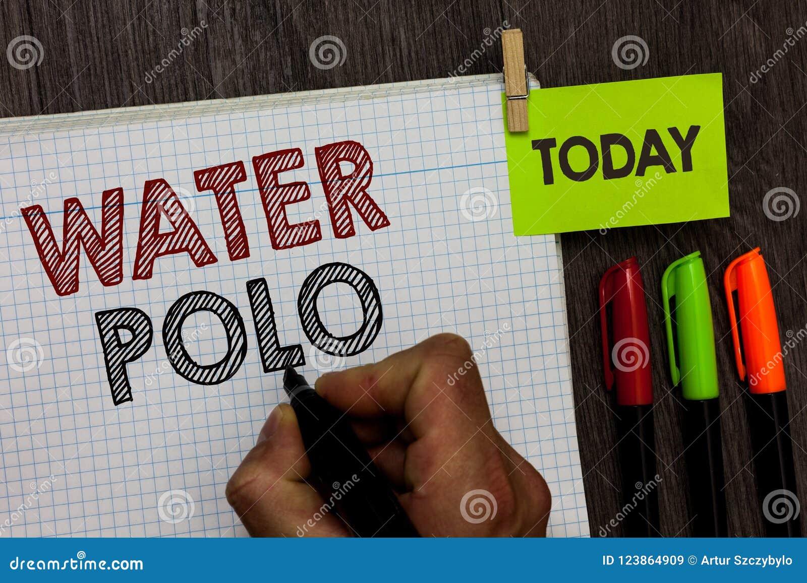 Εννοιολογικό χέρι που γράφει παρουσιάζοντας πόλο νερού Ο ανταγωνιστικός αθλητισμός ομάδων κειμένων επιχειρησιακών φωτογραφιών έπα