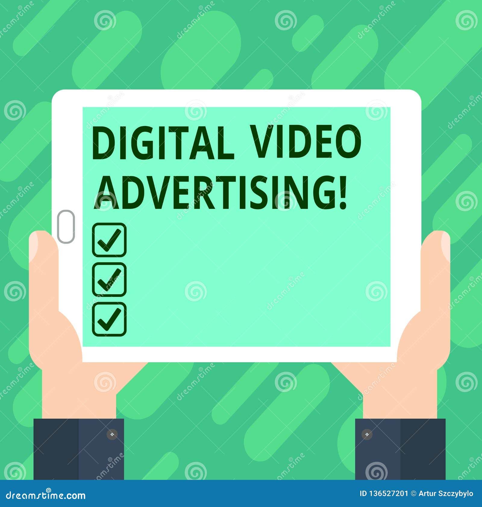 Εννοιολογικό χέρι που γράφει παρουσιάζοντας ψηφιακή τηλεοπτική διαφήμιση Το κείμενο επιχειρησιακών φωτογραφιών δεσμεύει το ακροατ