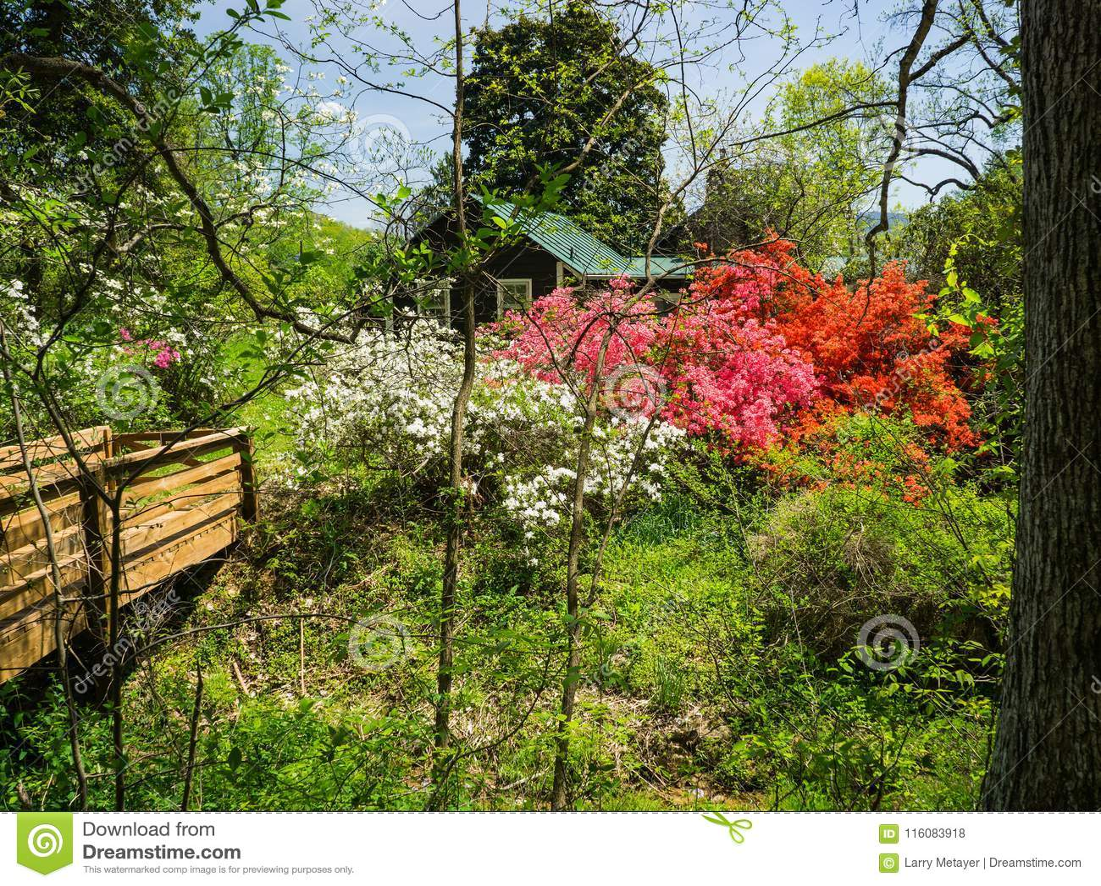 Εξοχικό σπίτι Caretaker's σε έναν κήπο βουνών