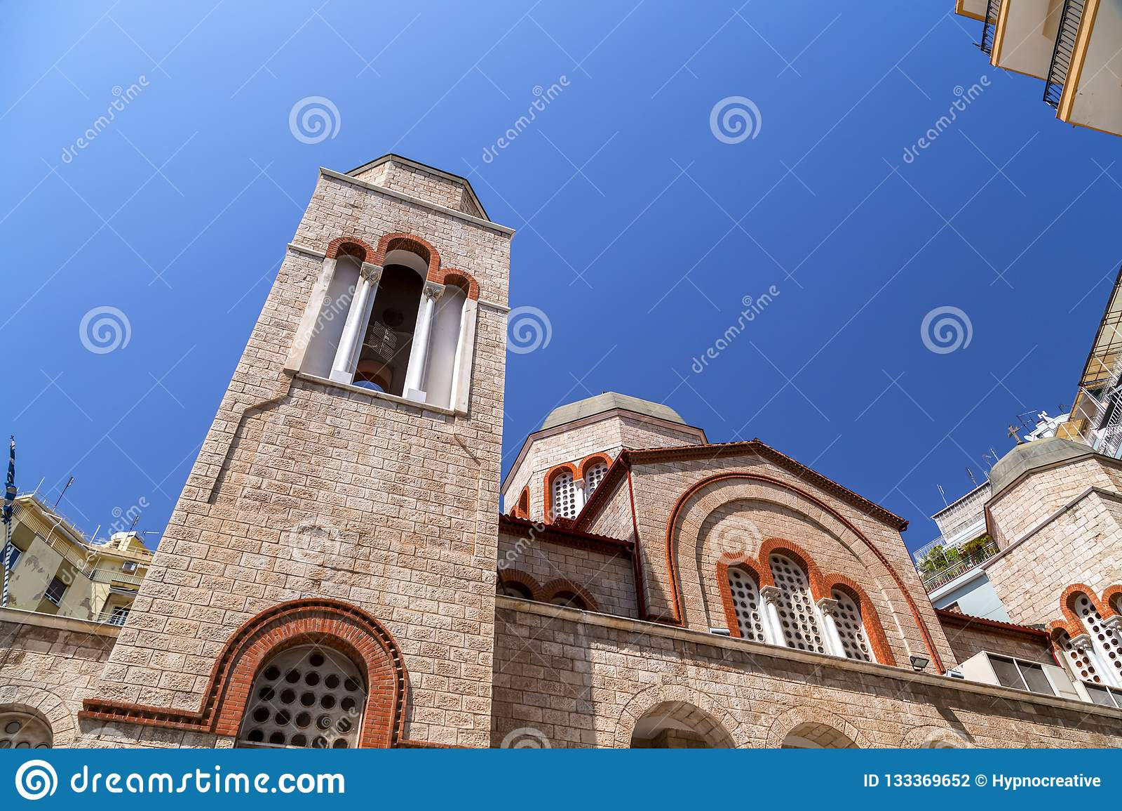 Εξωτερική άποψη των NAO (Εθνικός Οργανισμός Διαιτησίας) Panagia Dexia εκκλησιών
