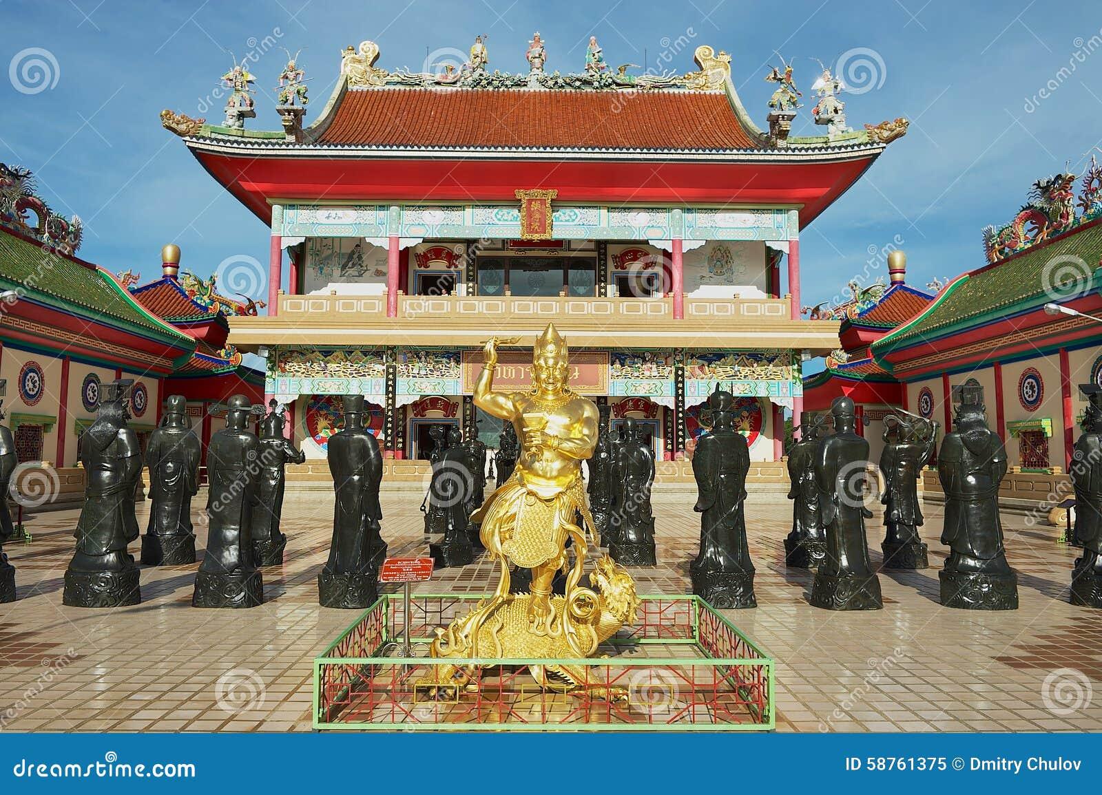 Εξωτερικό των αγαλμάτων των κινεζικών μοναχών Shaolin στον κινεζικό ναό Anek Kusala Sala (Viharn Sien) σε Pattaya, Ταϊλάνδη