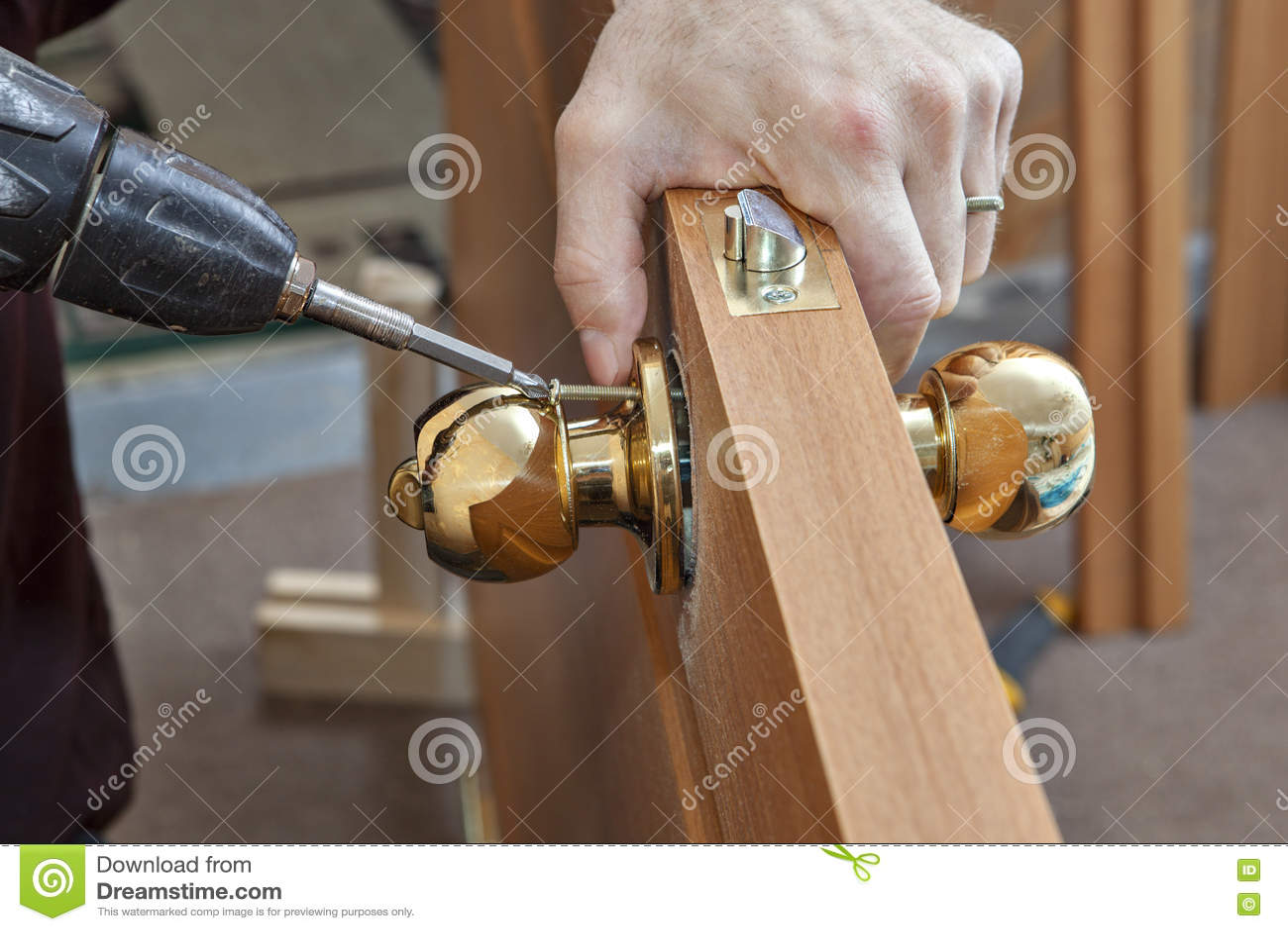 Εξόγκωμα πορτών εγκατάστασης με την κλειδαριά, βιδωμένη woodworker βίδα, usi