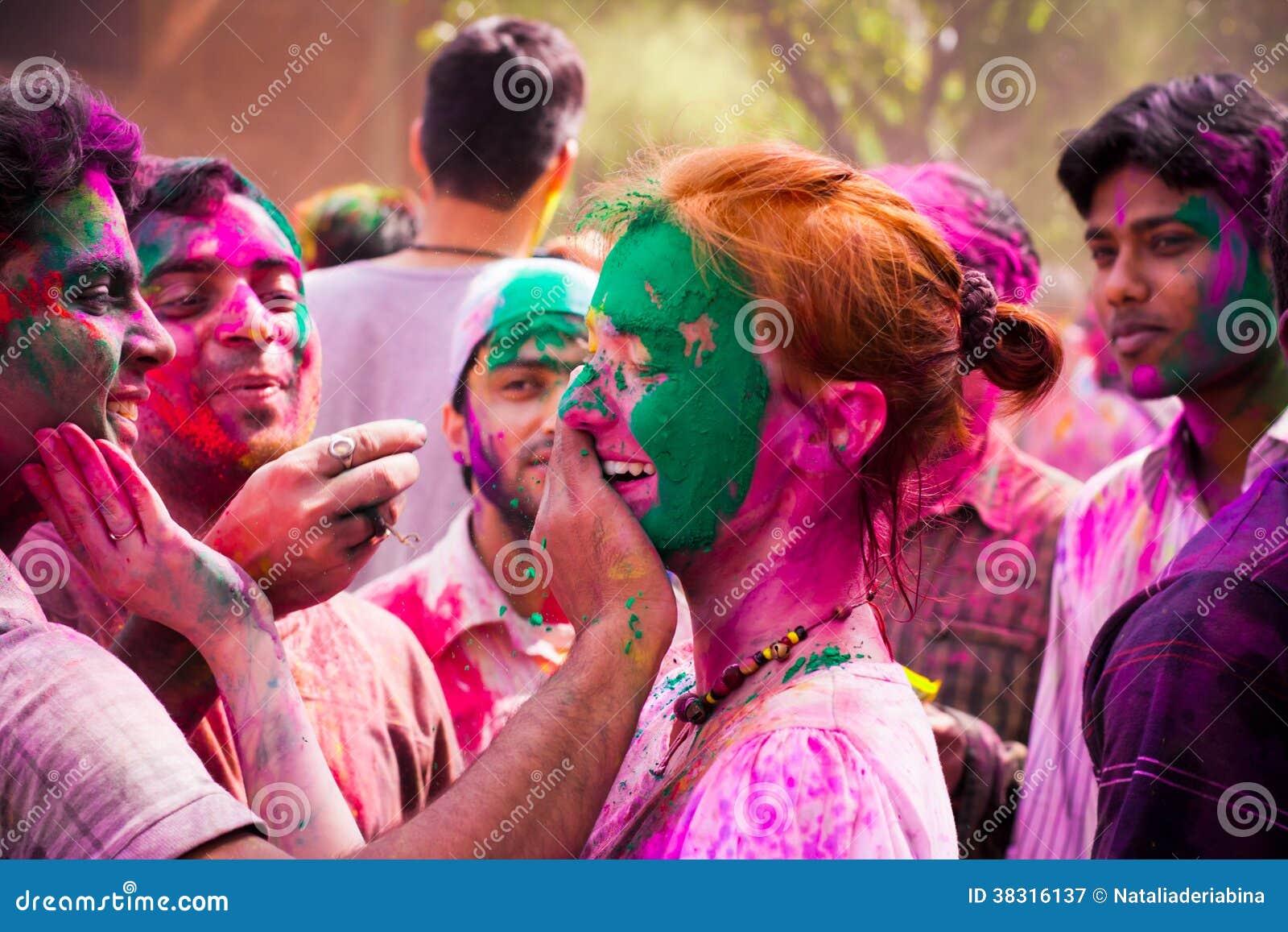 Εορτασμοί φεστιβάλ Holi στην Ινδία