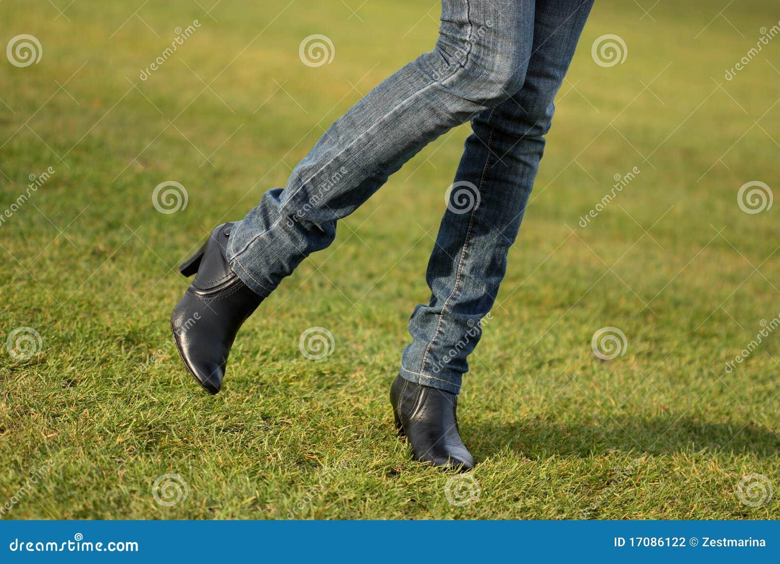 επίγεια πόδια ποδοσφαίρ&omicr
