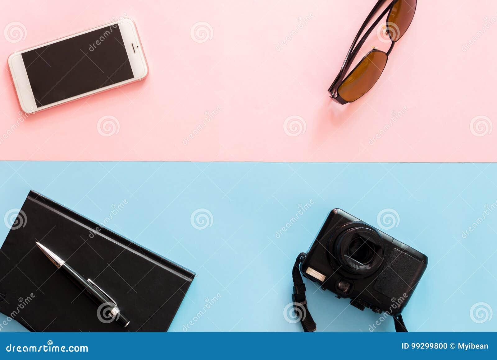 9b53d522ba Επίπεδος βάλτε την έννοια ταξιδιού με τη κάμερα