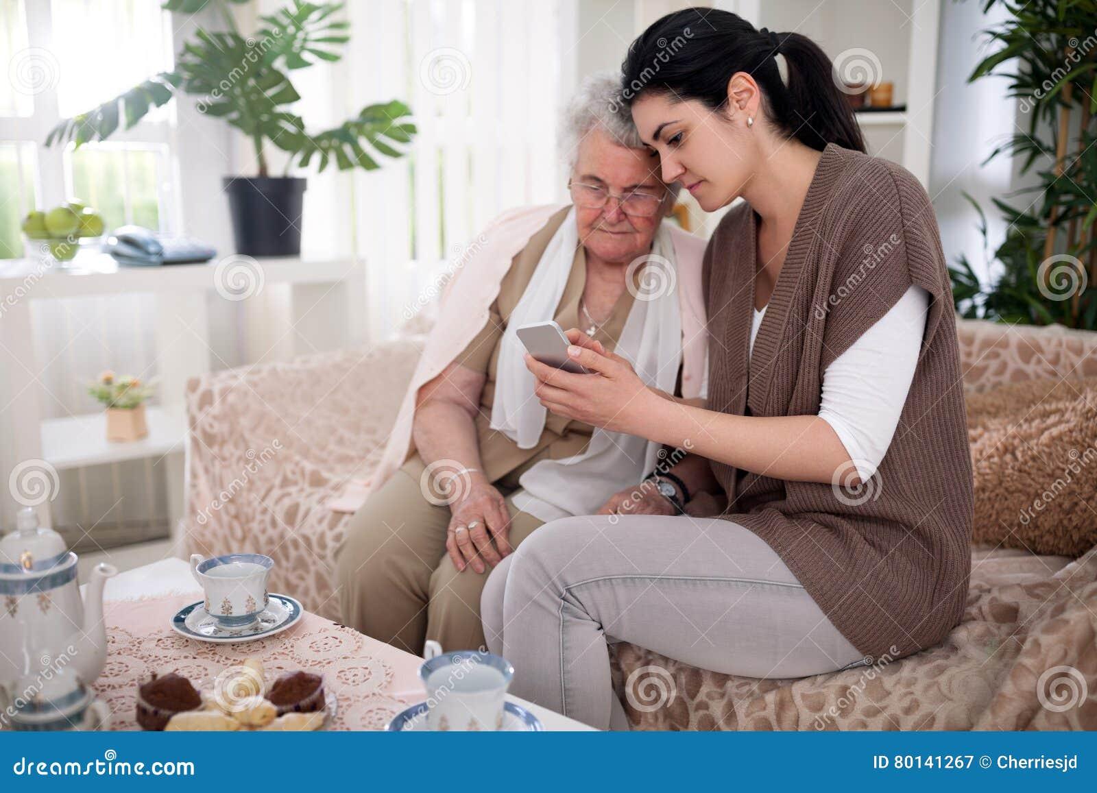 Dating γιαγιά YouTube dating den