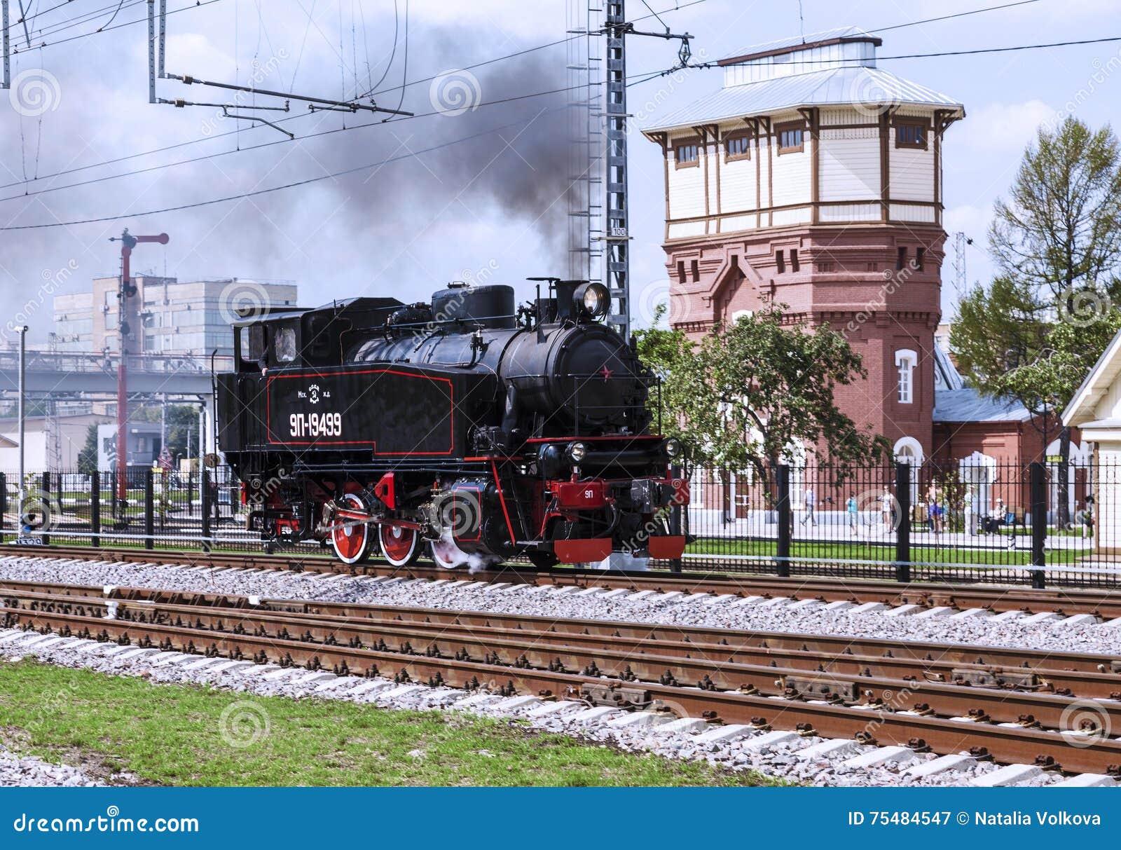 Επίδειξη των αποκατεστημένων εκλεκτής ποιότητας ατμομηχανών στον εορτασμό της ημέρας των στρατευμάτων σιδηροδρόμων της Ρωσικής Ομ