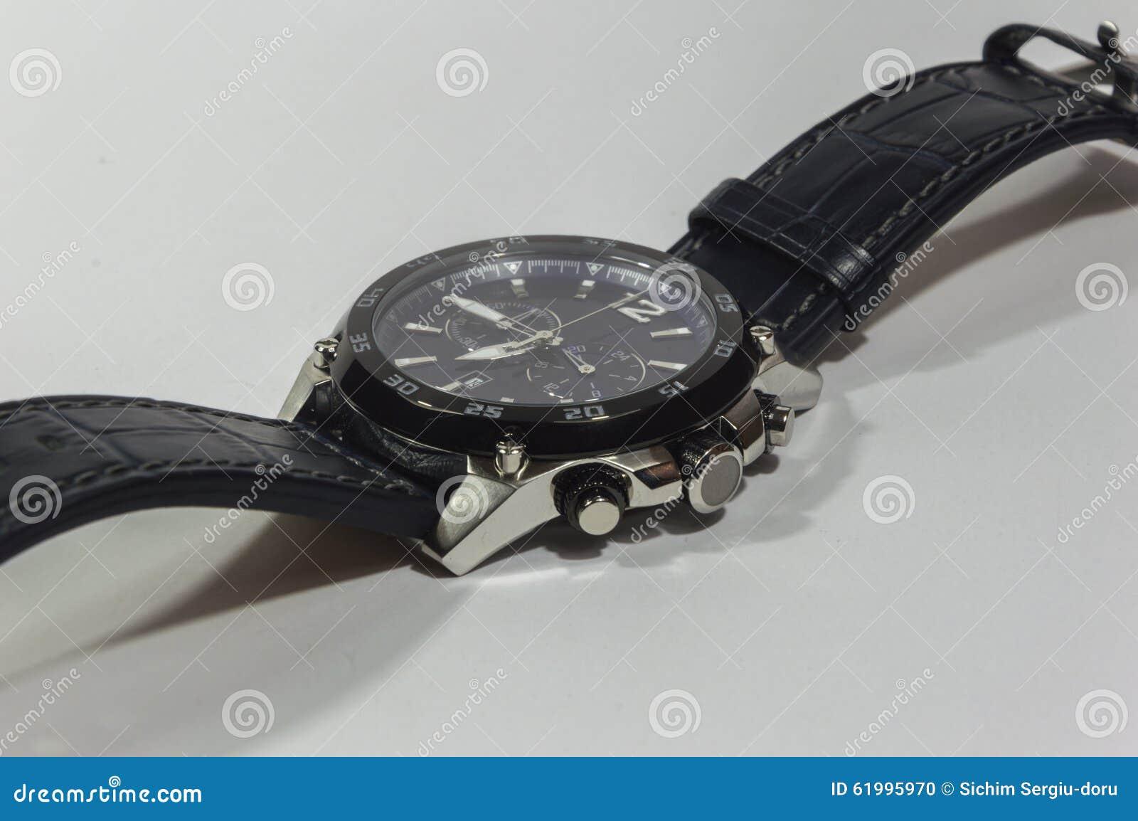επανδρώνει το ρολόι