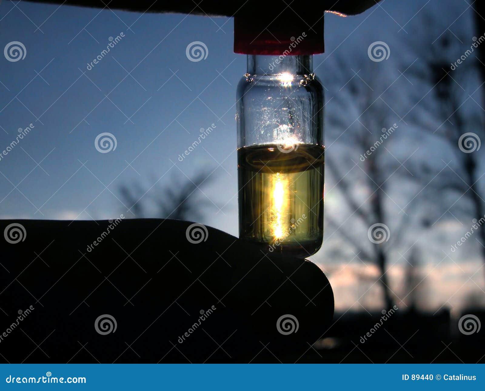 επικίνδυνο υγρό χημείας