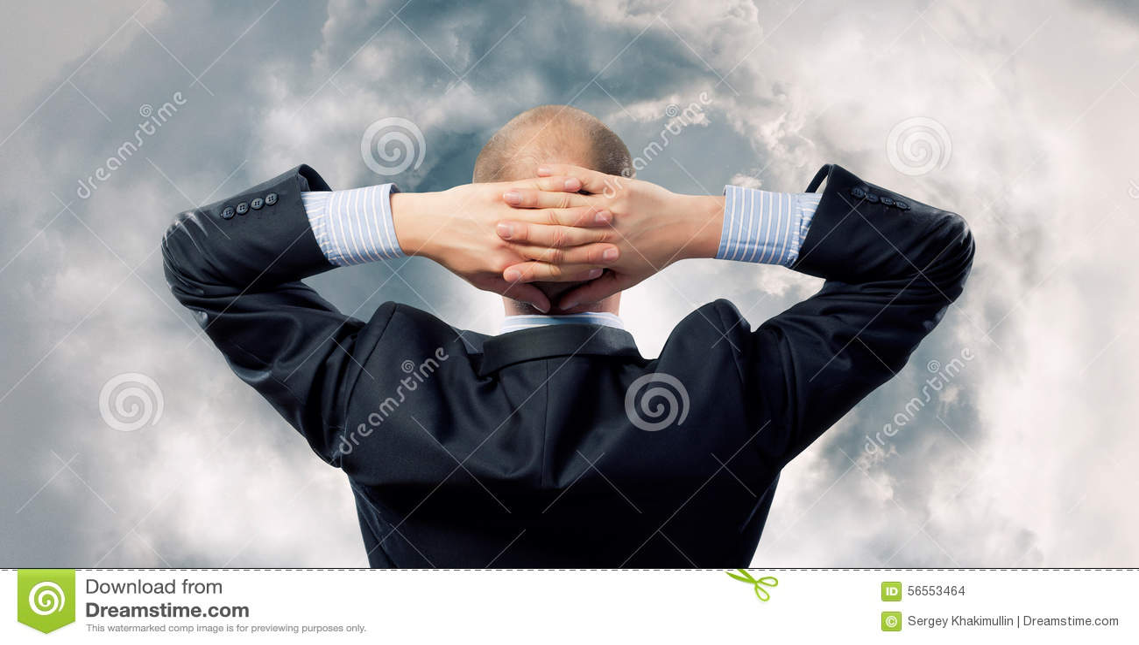 Download Επιχειρηματίας και πετώντας γρίφος Στοκ Εικόνες - εικόνα από μπακαράδων, κίνδυνος: 56553464