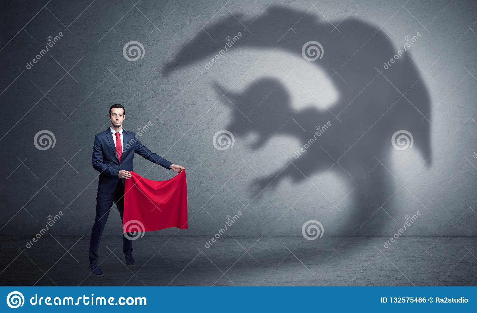 Επιχειρηματίας με την έννοια σκιών και toreador ΟΜΠ