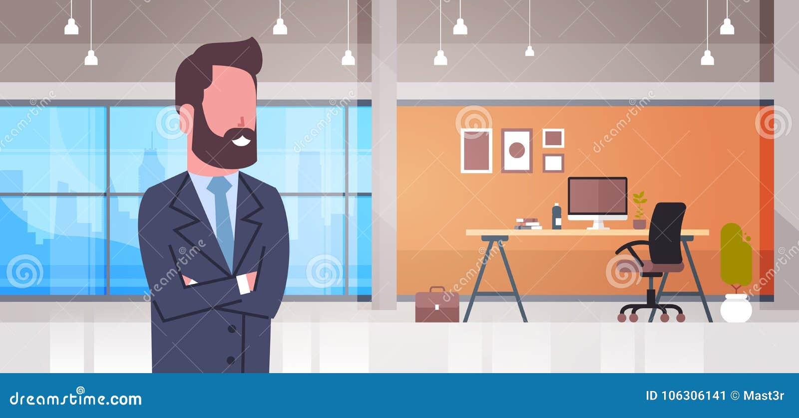 Επιχειρησιακό άτομο στο κύριο γραφείο γραφείων εργασιακών χώρων με την εσωτερική έννοια χώρου εργασίας επιχειρηματιών υπολογιστών