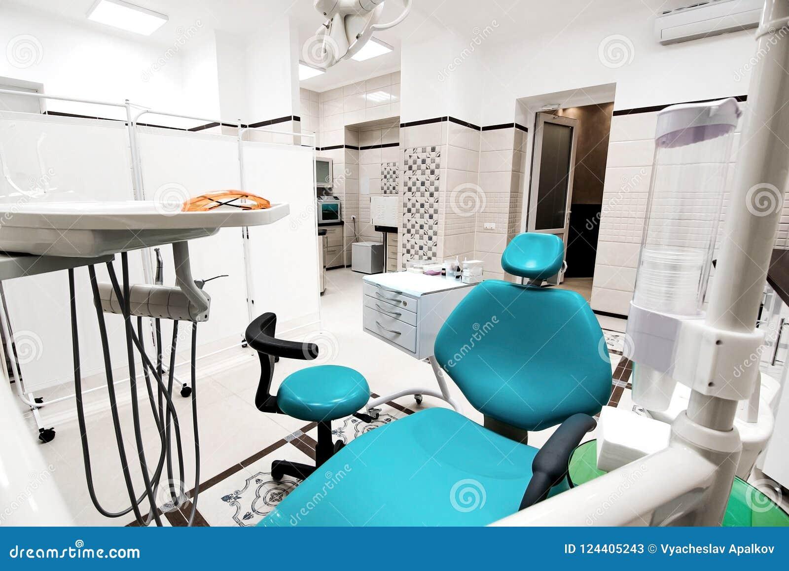 Εργαλεία οδοντιάτρων και επαγγελματική αναμονή καρεκλών οδοντιατρικής