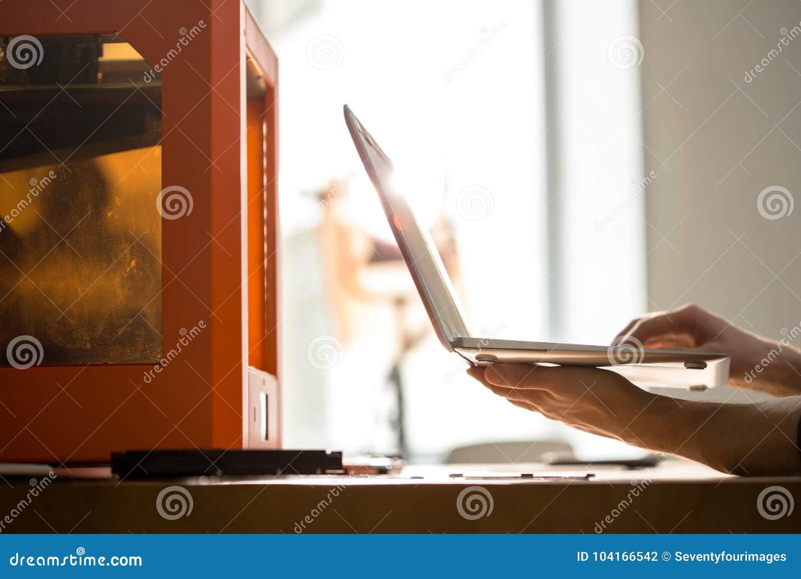 Εργασία με τον τρισδιάστατο εκτυπωτή