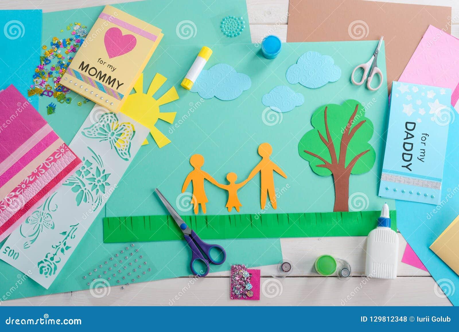 Εργασιακός χώρος παιδιού με τον εξοπλισμό